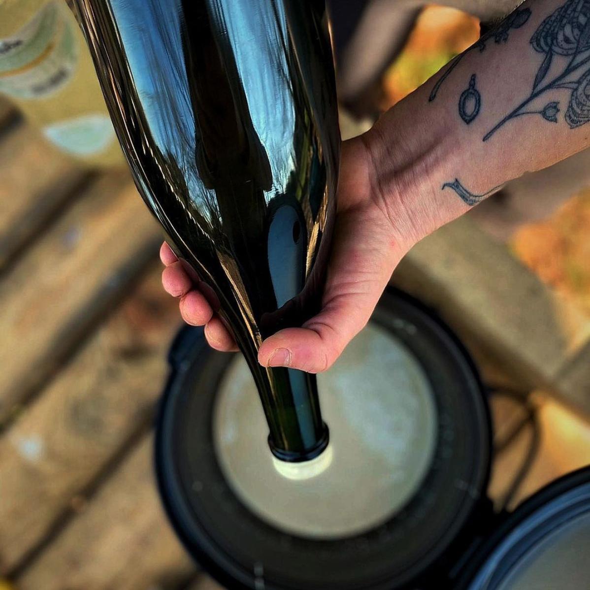 Bottle waxing Drap