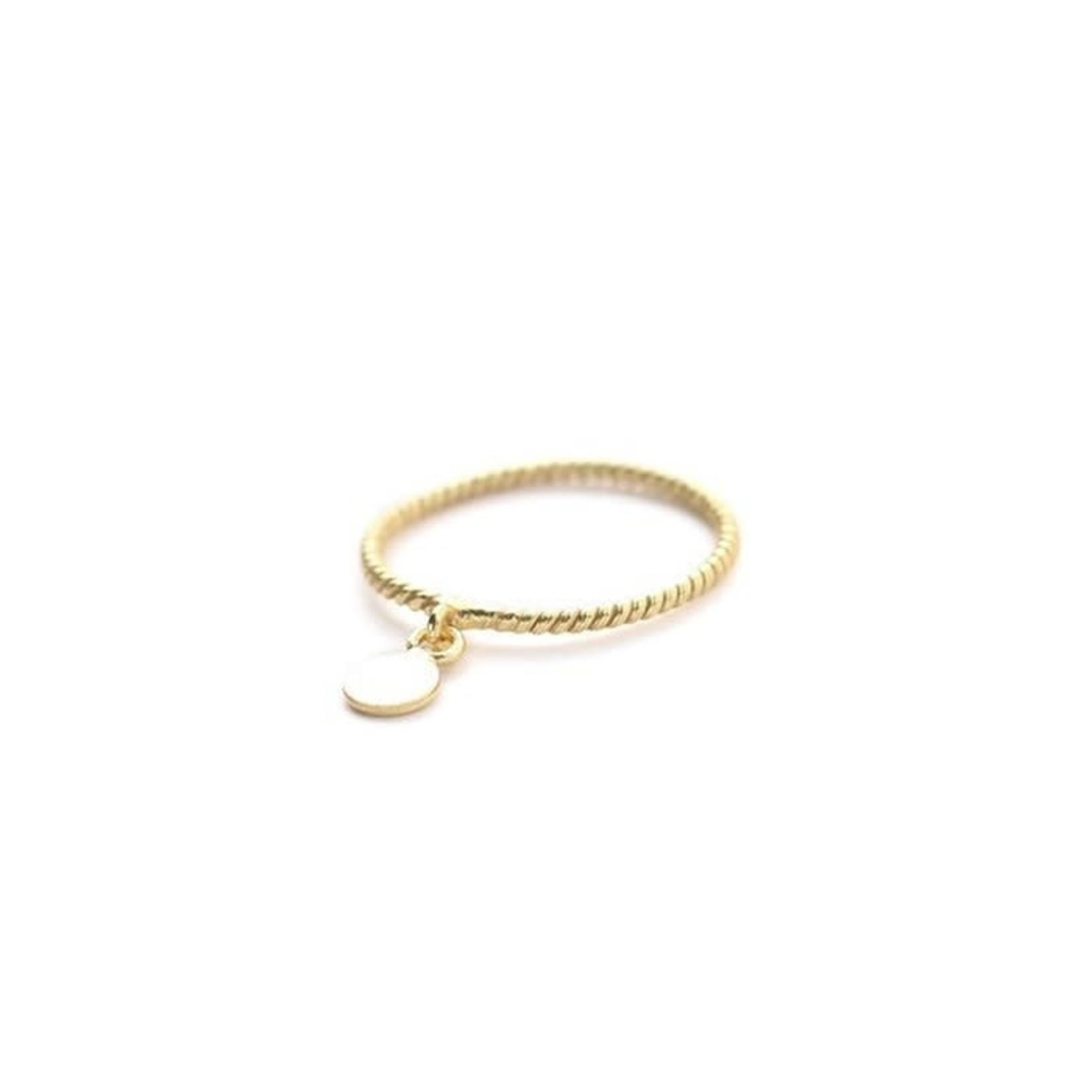 Muja Juma • fijne gouden ring met mini muntje