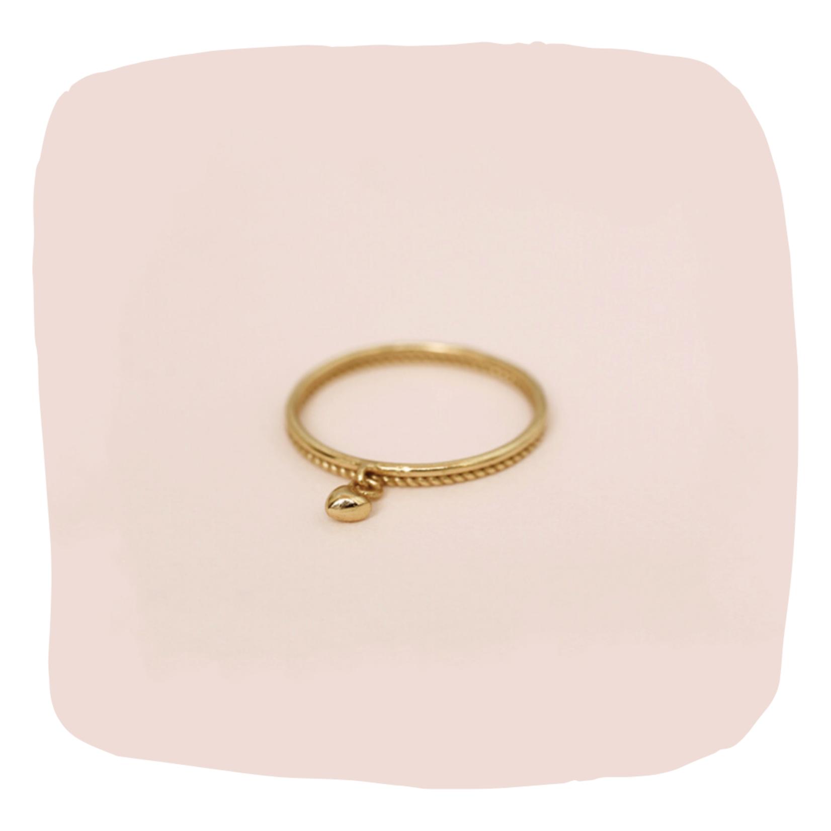 Muja Juma • gouden ring met mini hartje