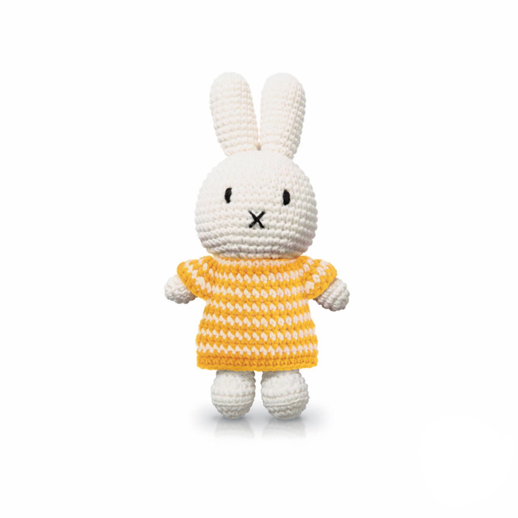 Just Dutch • Nijntje met haar gele gestreepte jurk