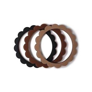 Mushie Flower bijt armband 3-pack black/natural/caramel