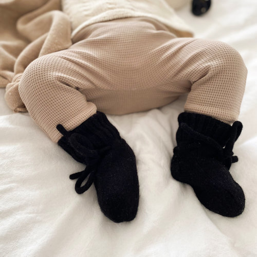 Petite Noé Merino wol booties black