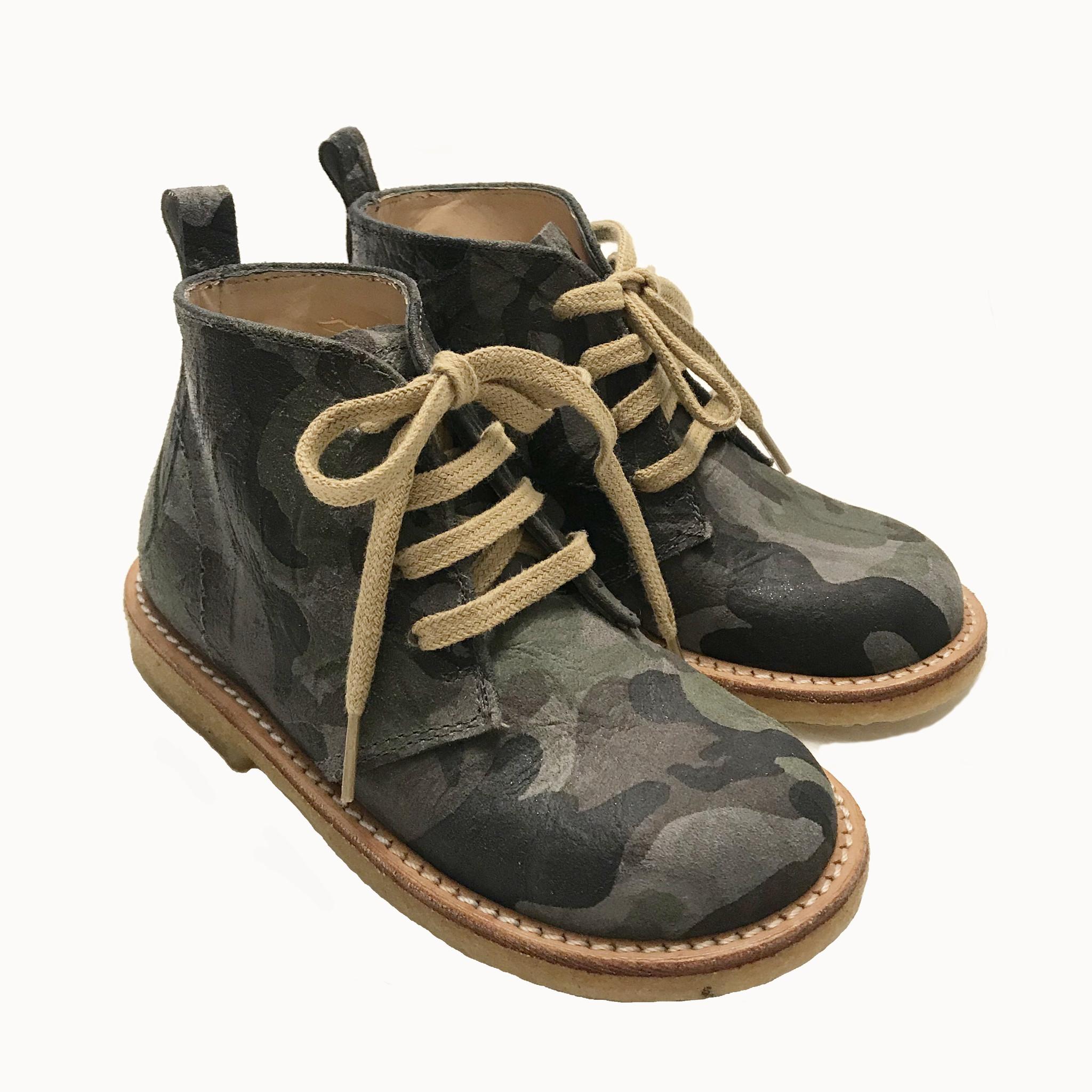 desert boot with laces cognac - Fool de