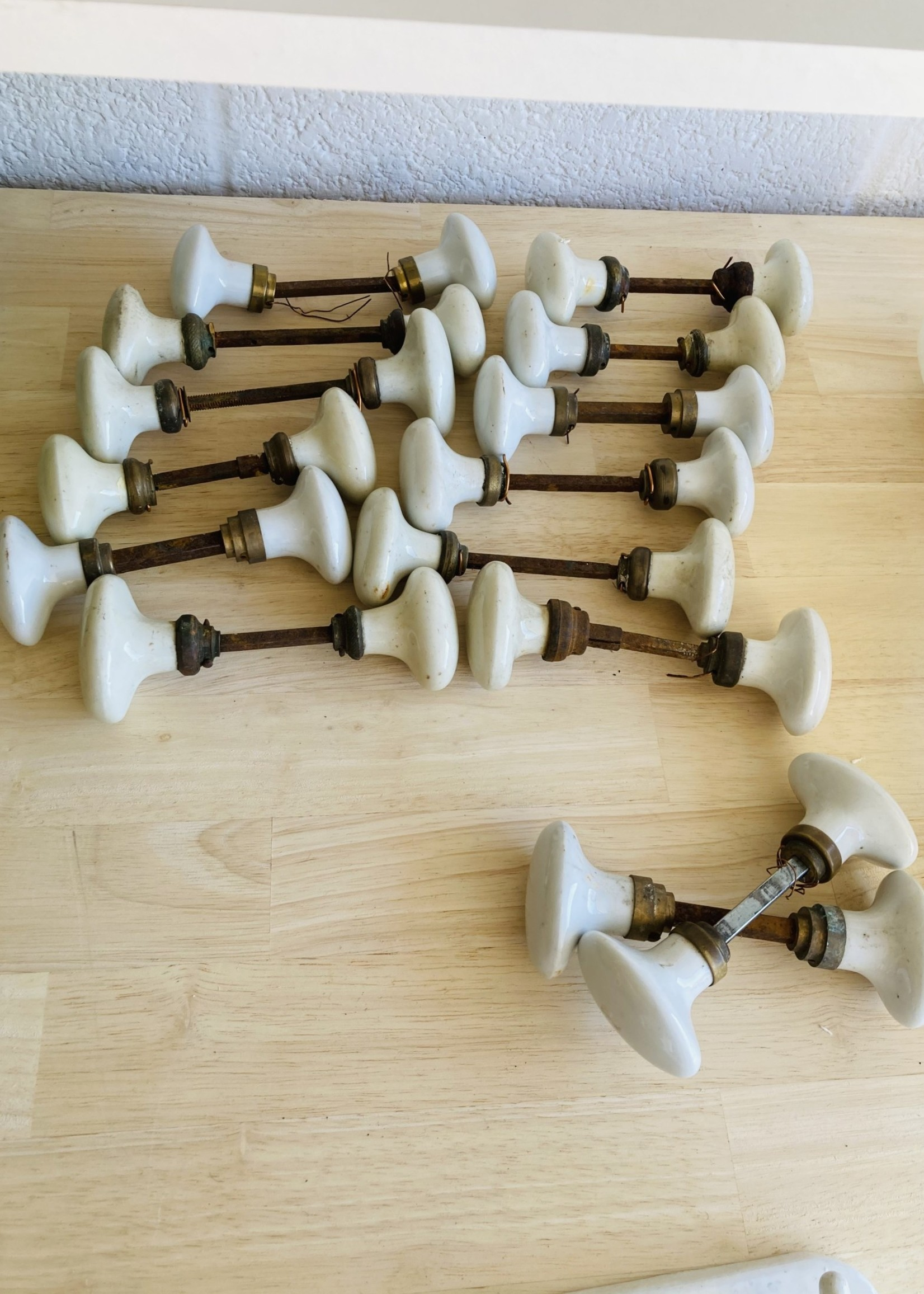 White Porcelain Olive Clinches/ doorhandles