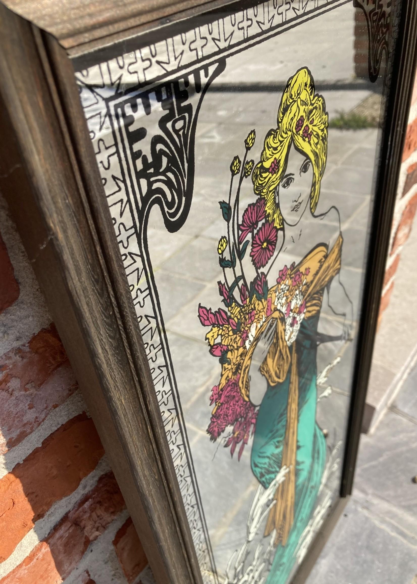 Mirror with Jugendstil drawing