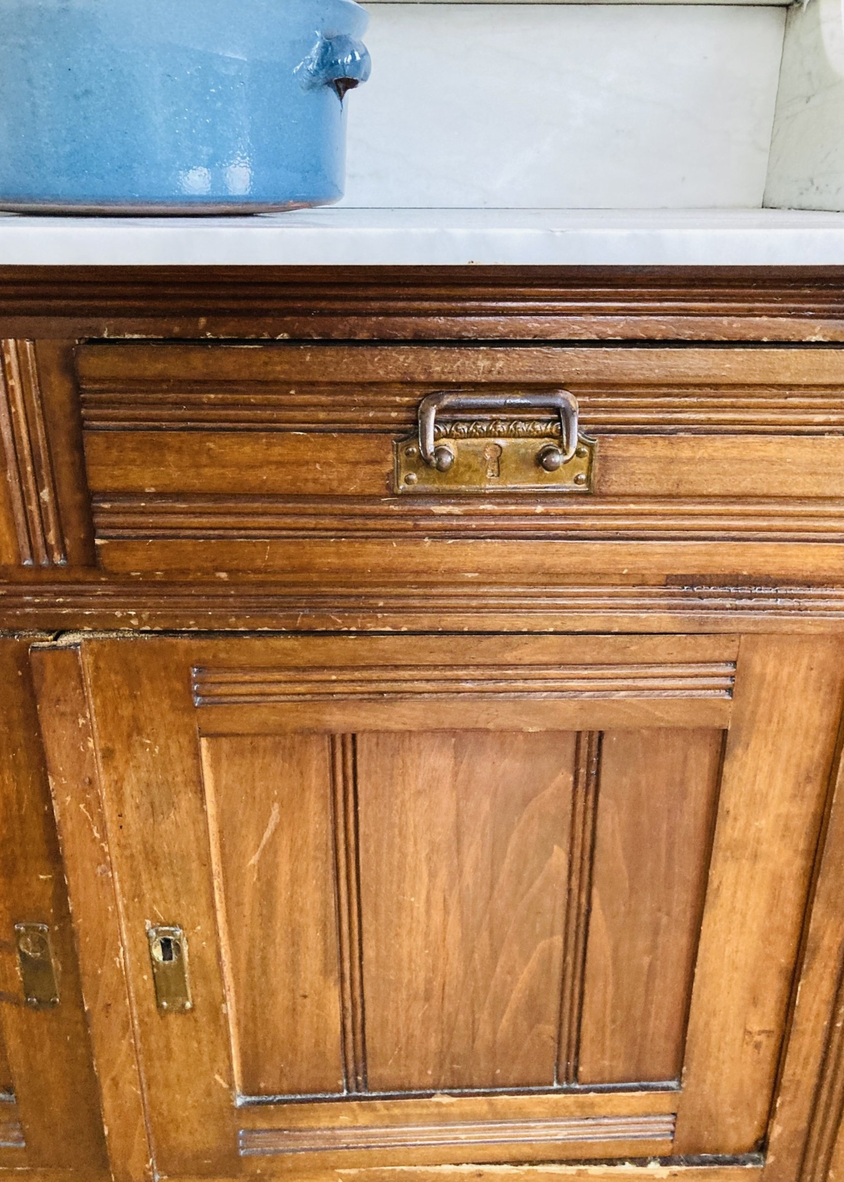 Washbasin chest with marmer top and drawers