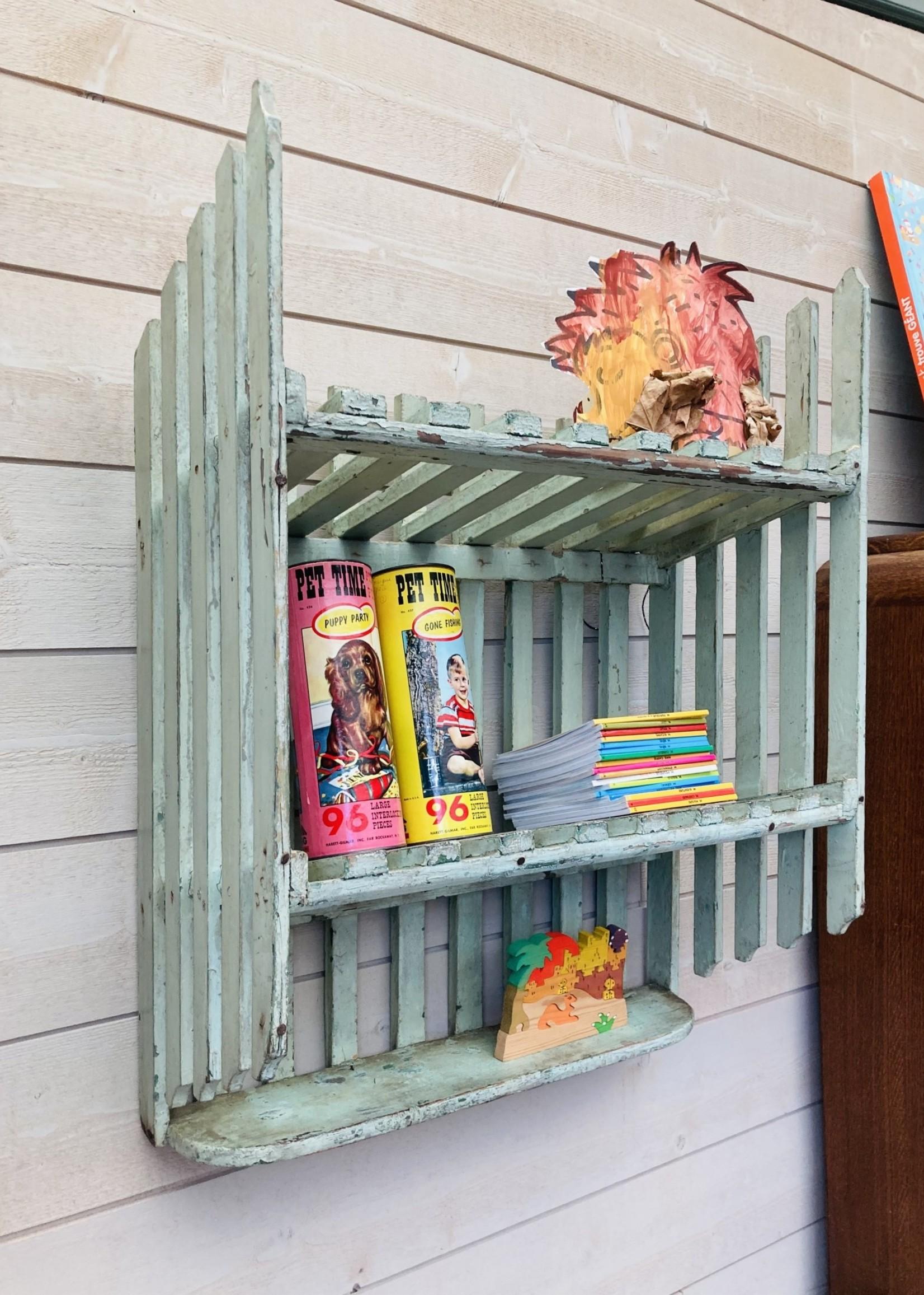 Brocante hanging shelf with lightgreen slats