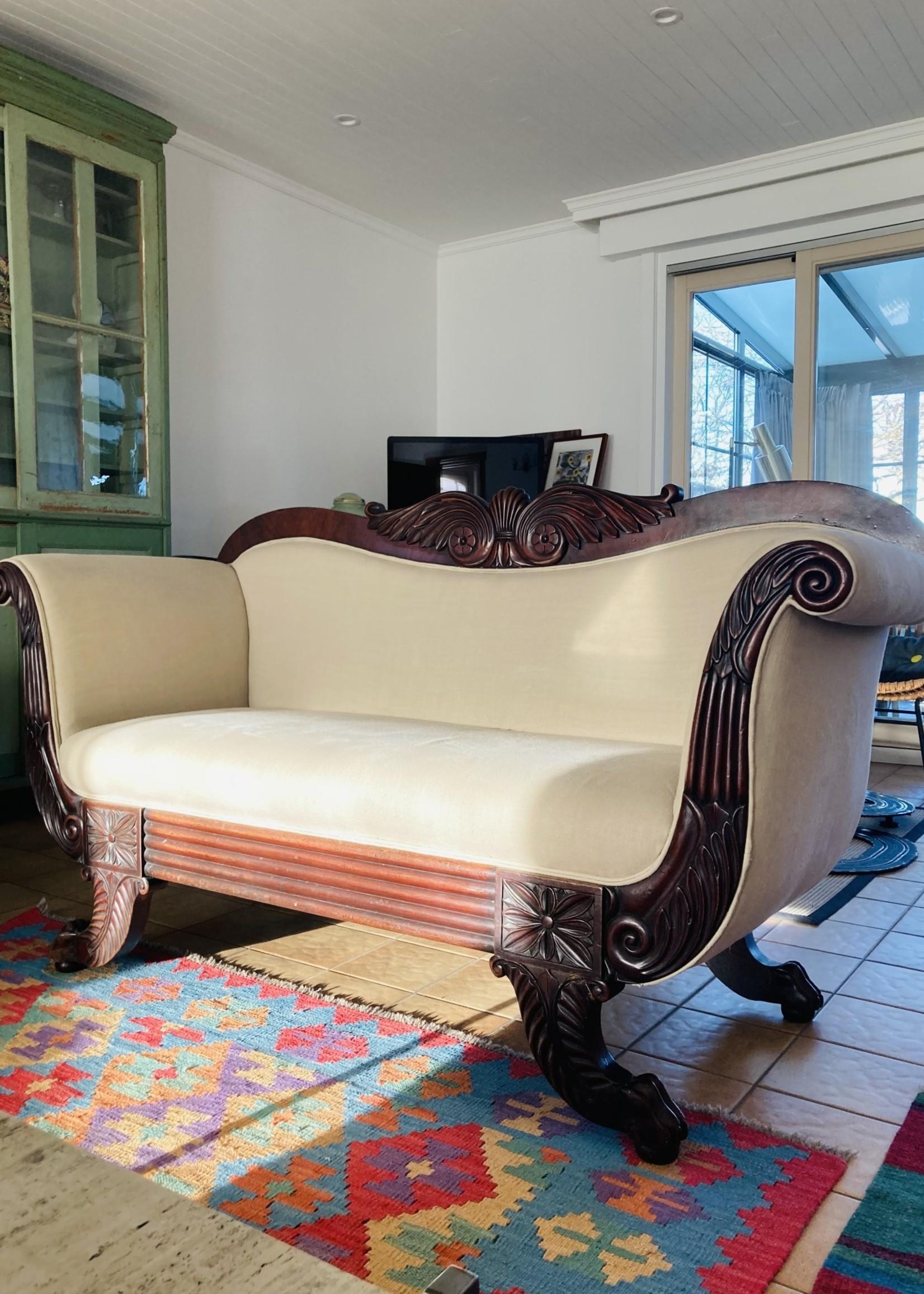 Art Deco sofa in wood and ecru fabric