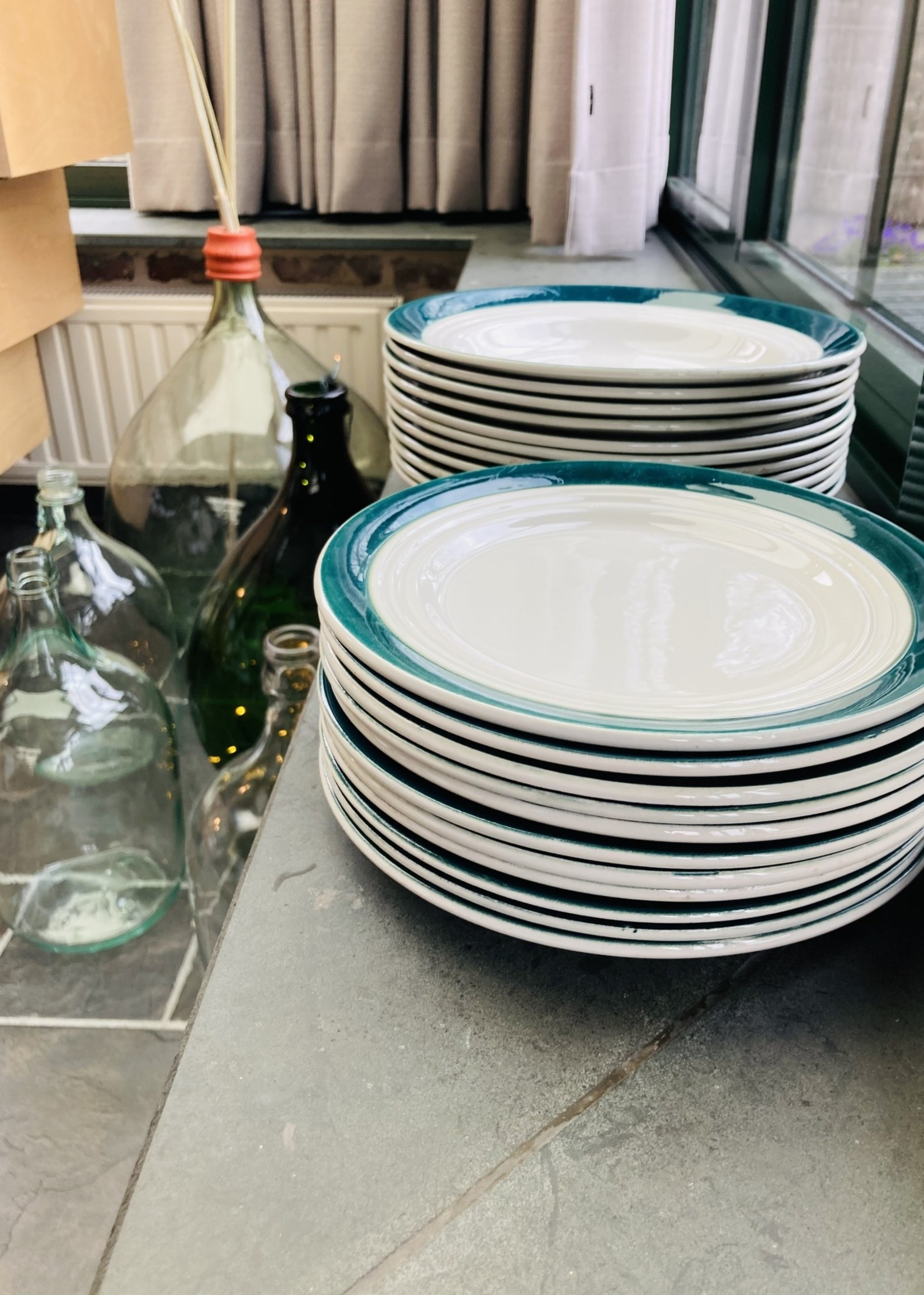 Art Deco semi-porcelain Ceranord dessert plate with green rim