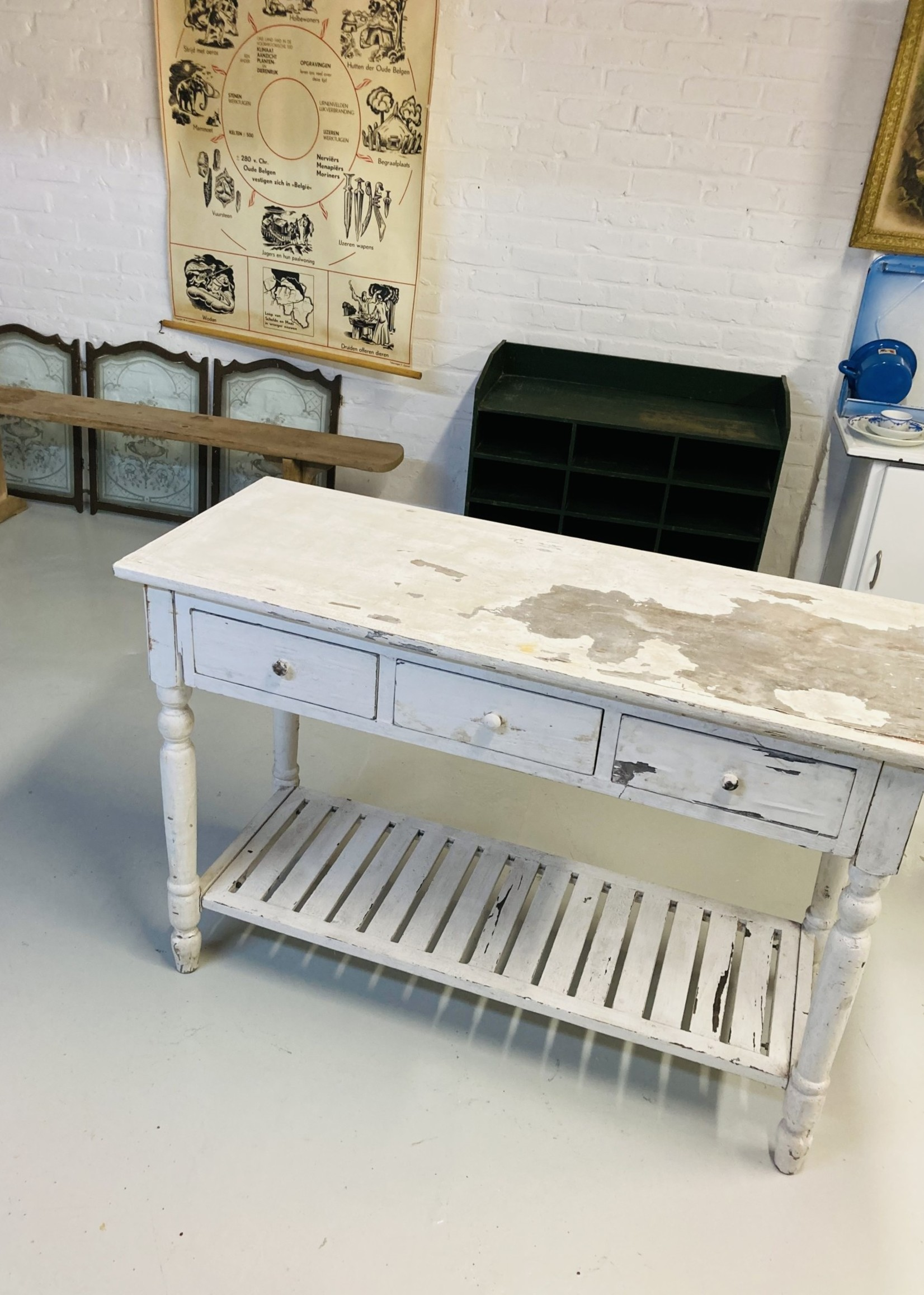 White high sidetable with drawers (cooking island)