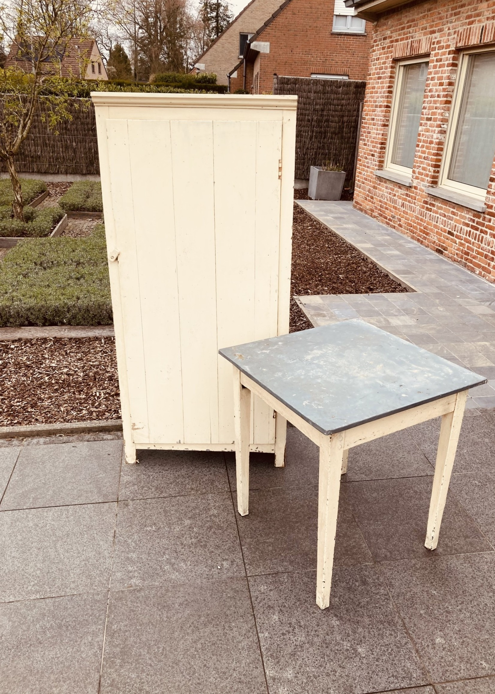 Cloister table in light yellow