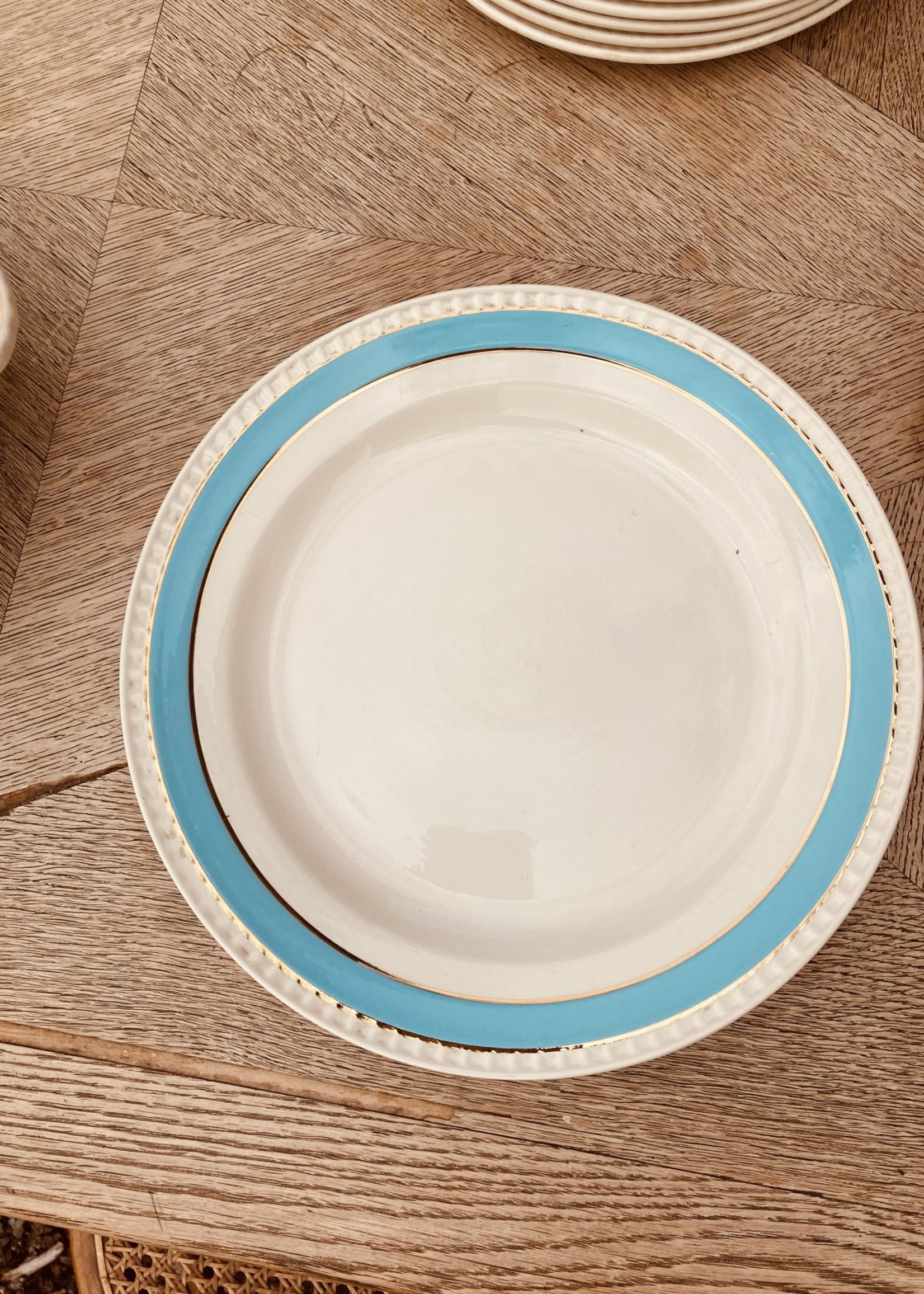 Boch Dish round with light blue border and 2 golden lines