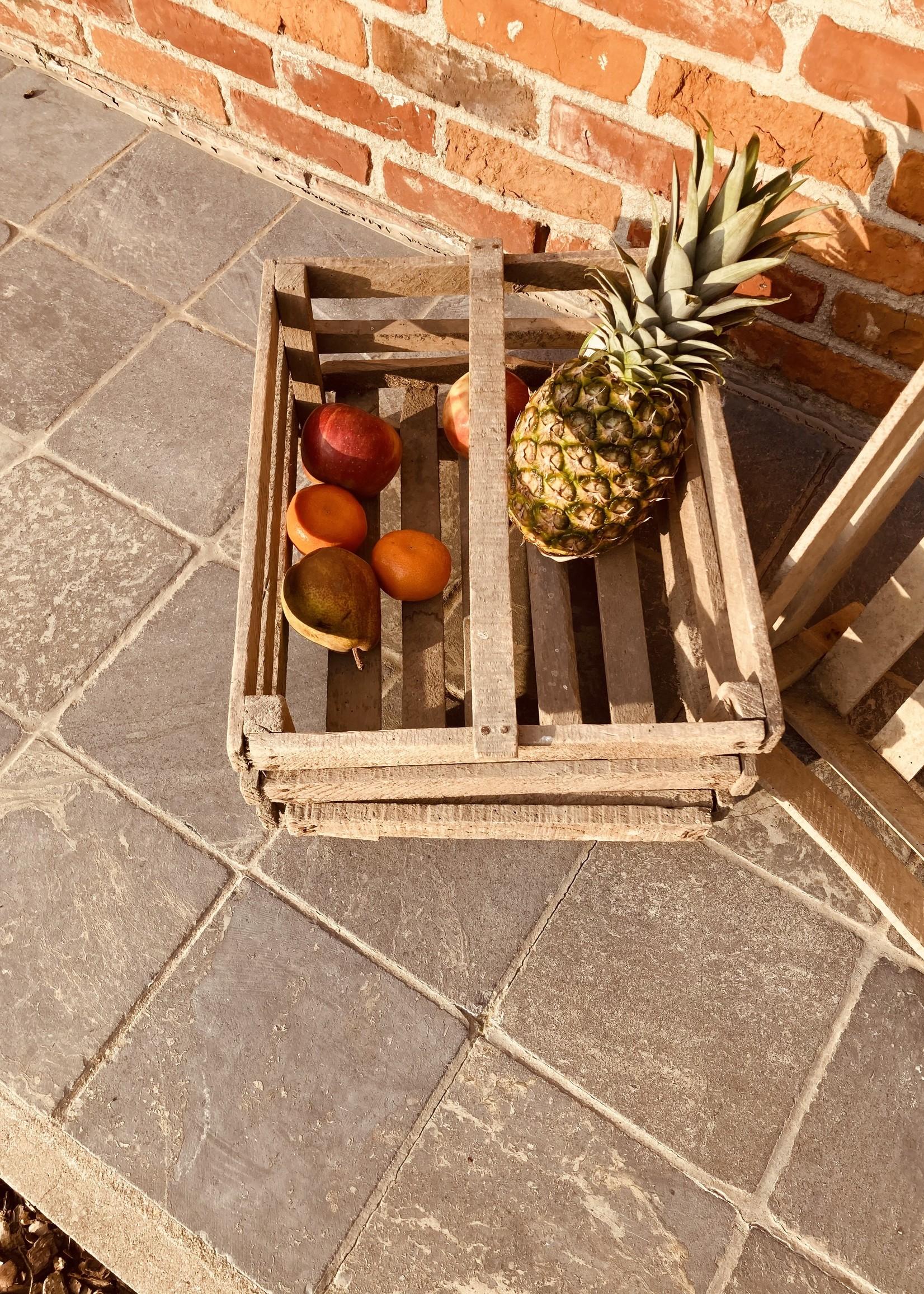 Wooden crat with handle