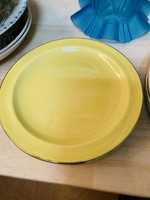 Small plates from Keralux, Yellow with golden border
