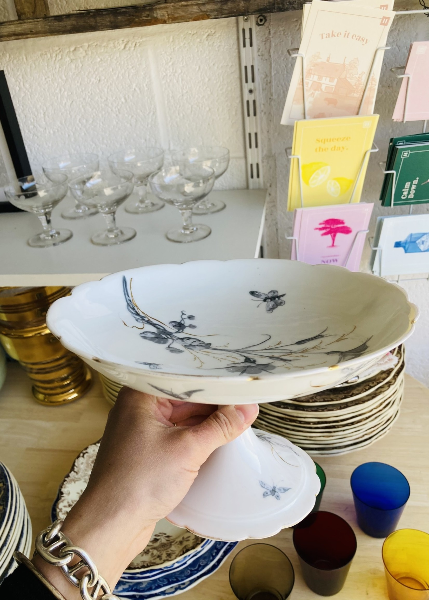 Compotier dish with light grey and gold decor
