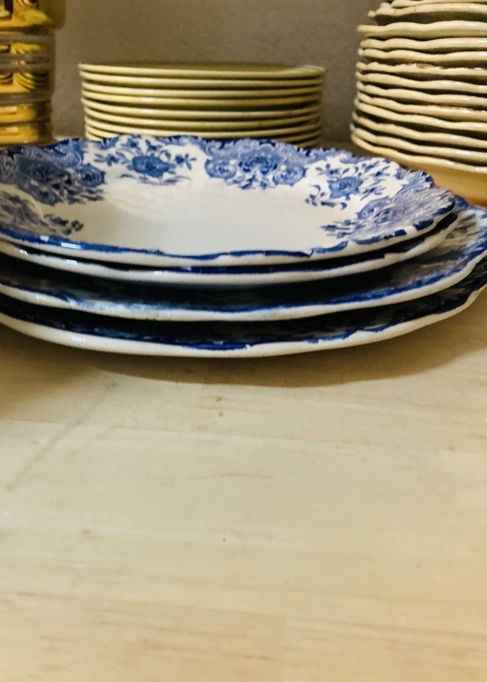 Large Plates Boch Dordrecht blue