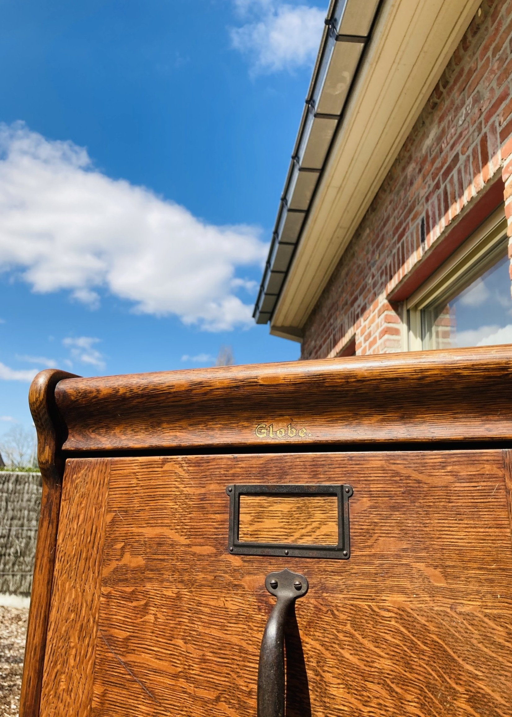 Wooden Archive Cabinet Globe Wecker