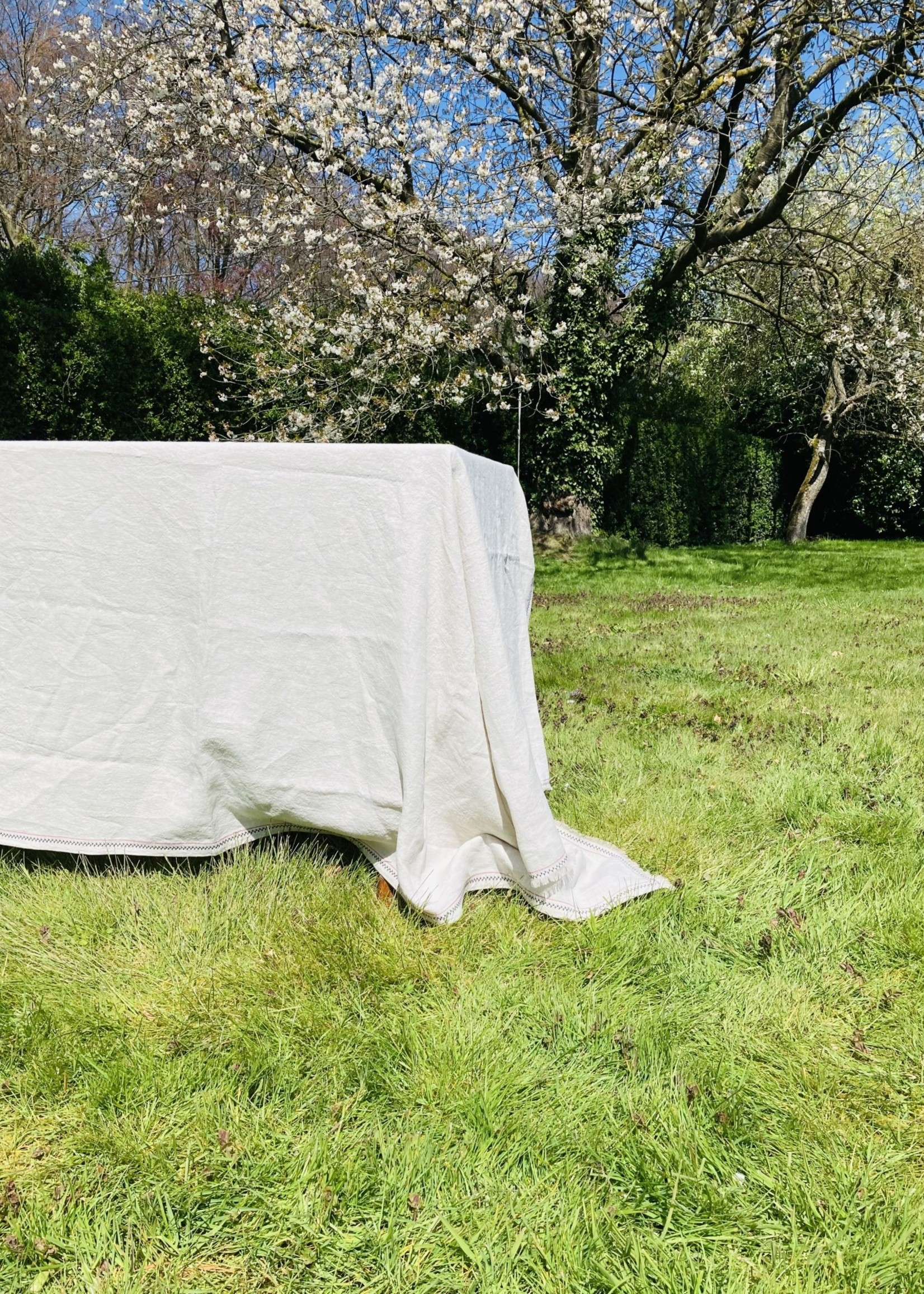 Natural Tablecloth in Belgian High end Linnen with Embroidery