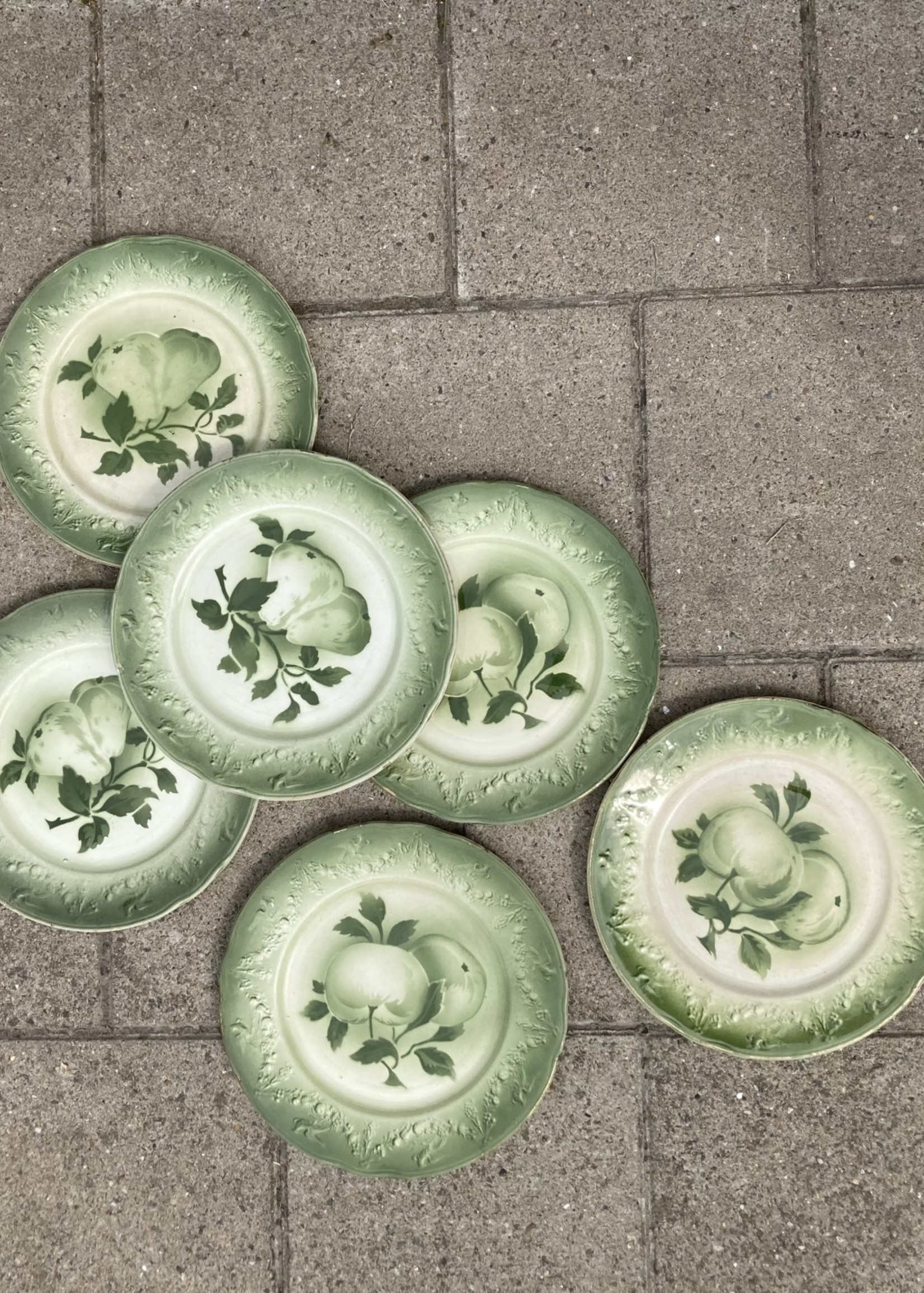 Small plates green decor by Luneville
