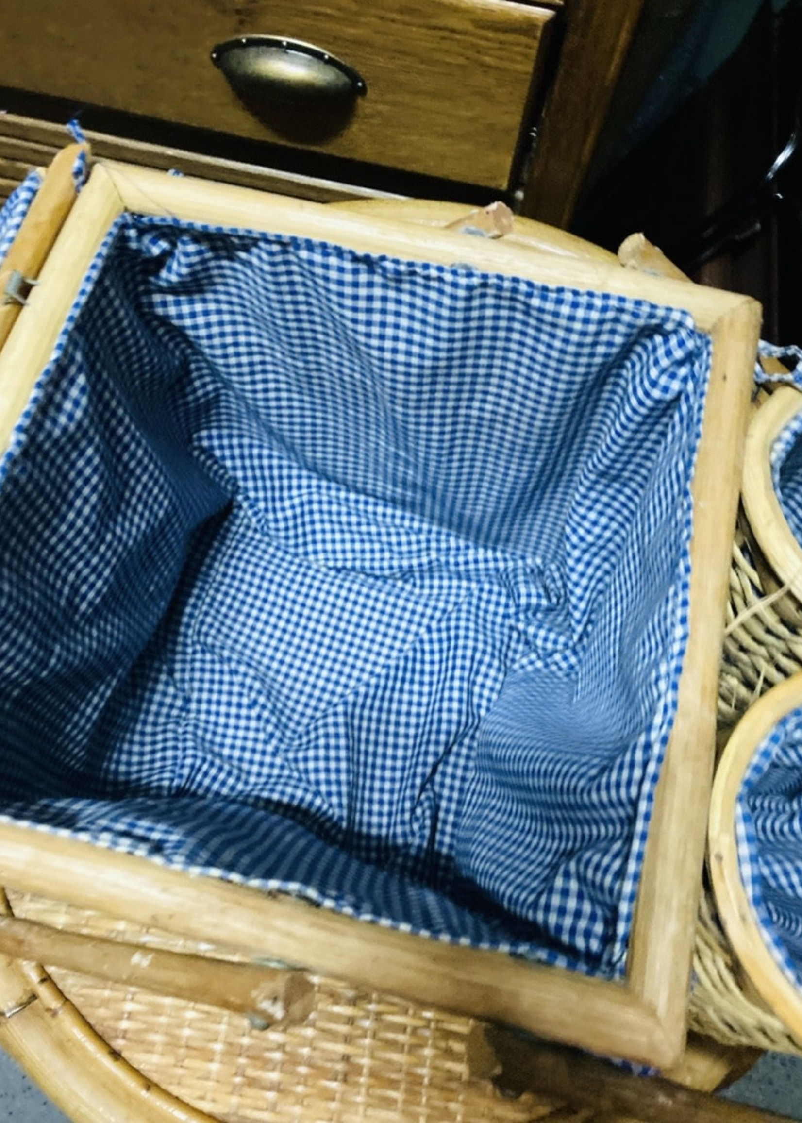 Pic nic basket in rattan