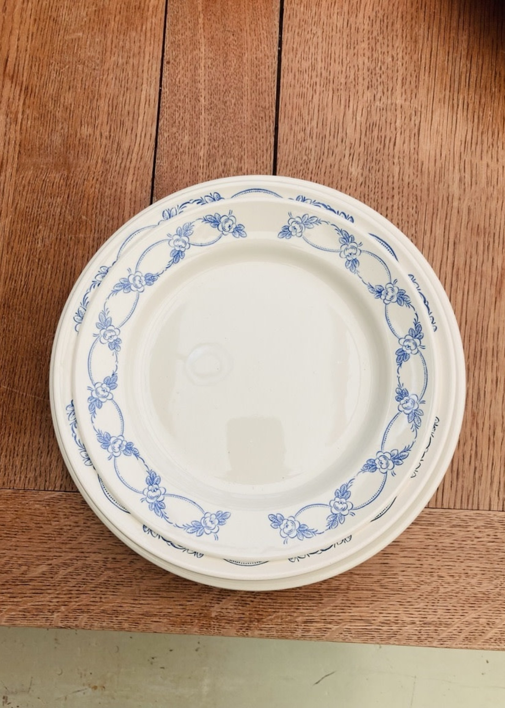 Deep plates With blue flowers on border - No brand