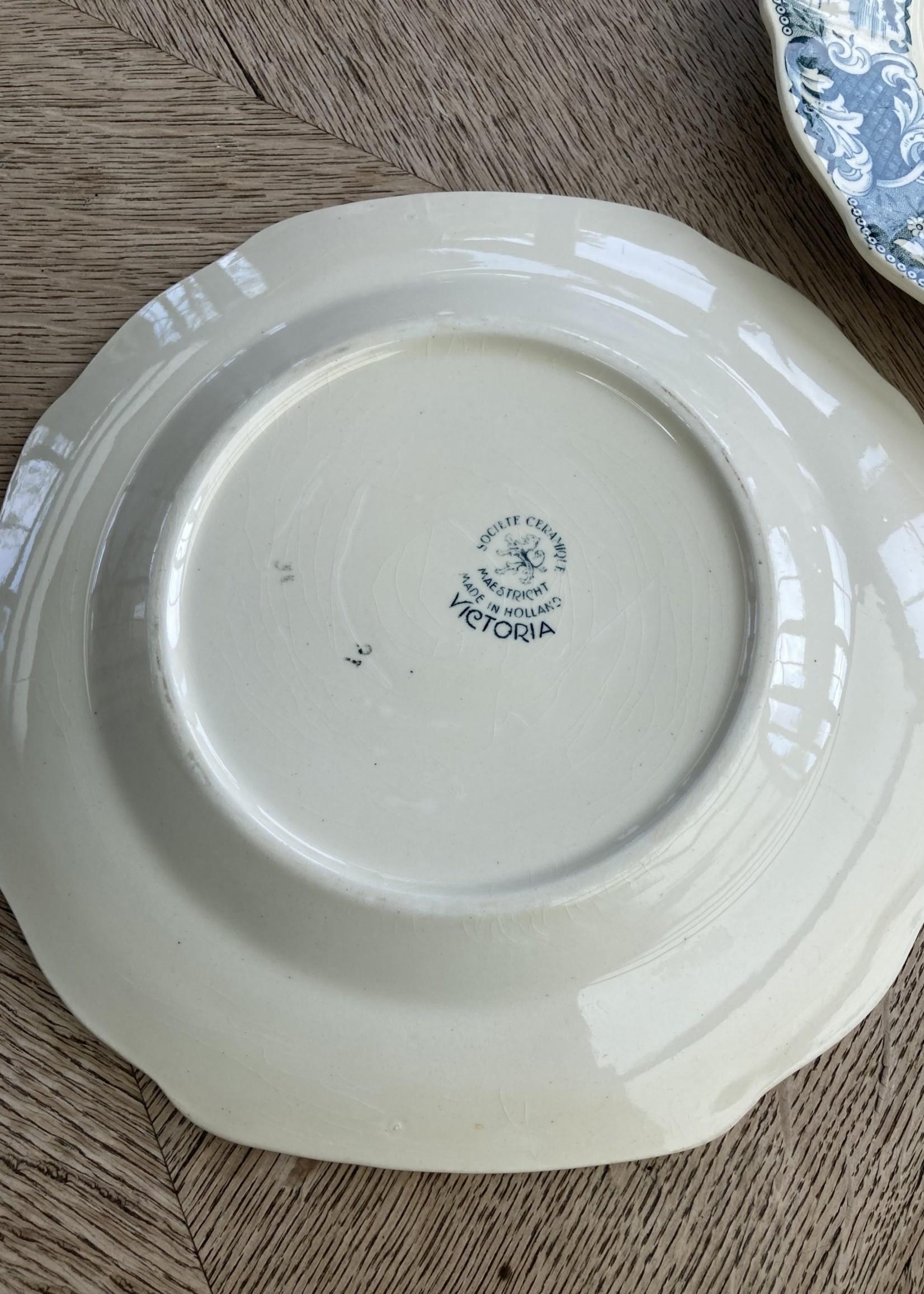 Small plates Blue Victoria