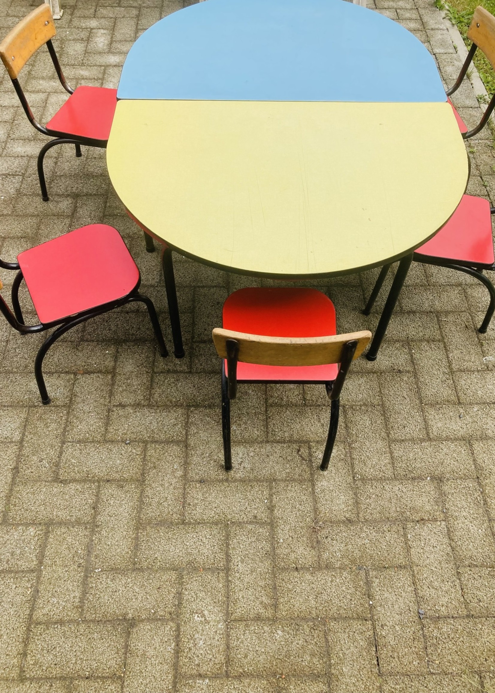 Set of Tubax half moon table and 3 chairs Yellow and Red