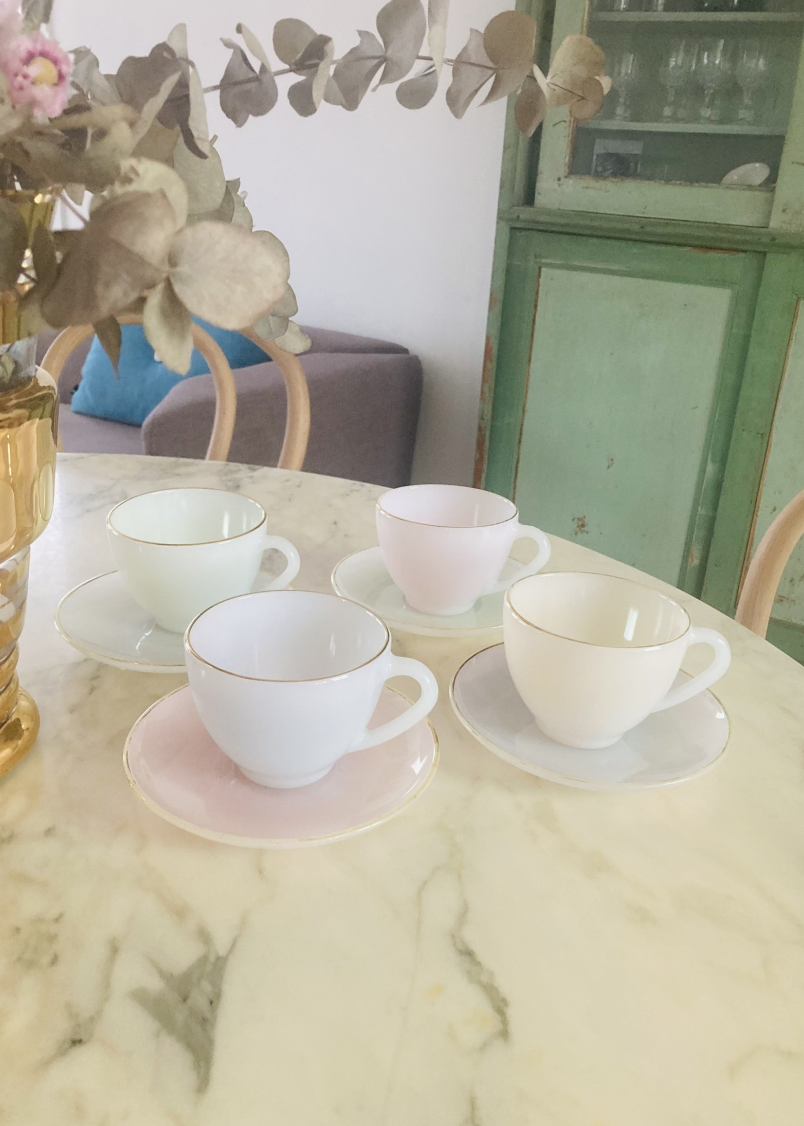 Set of 4 cups from Arcopal (large size)
