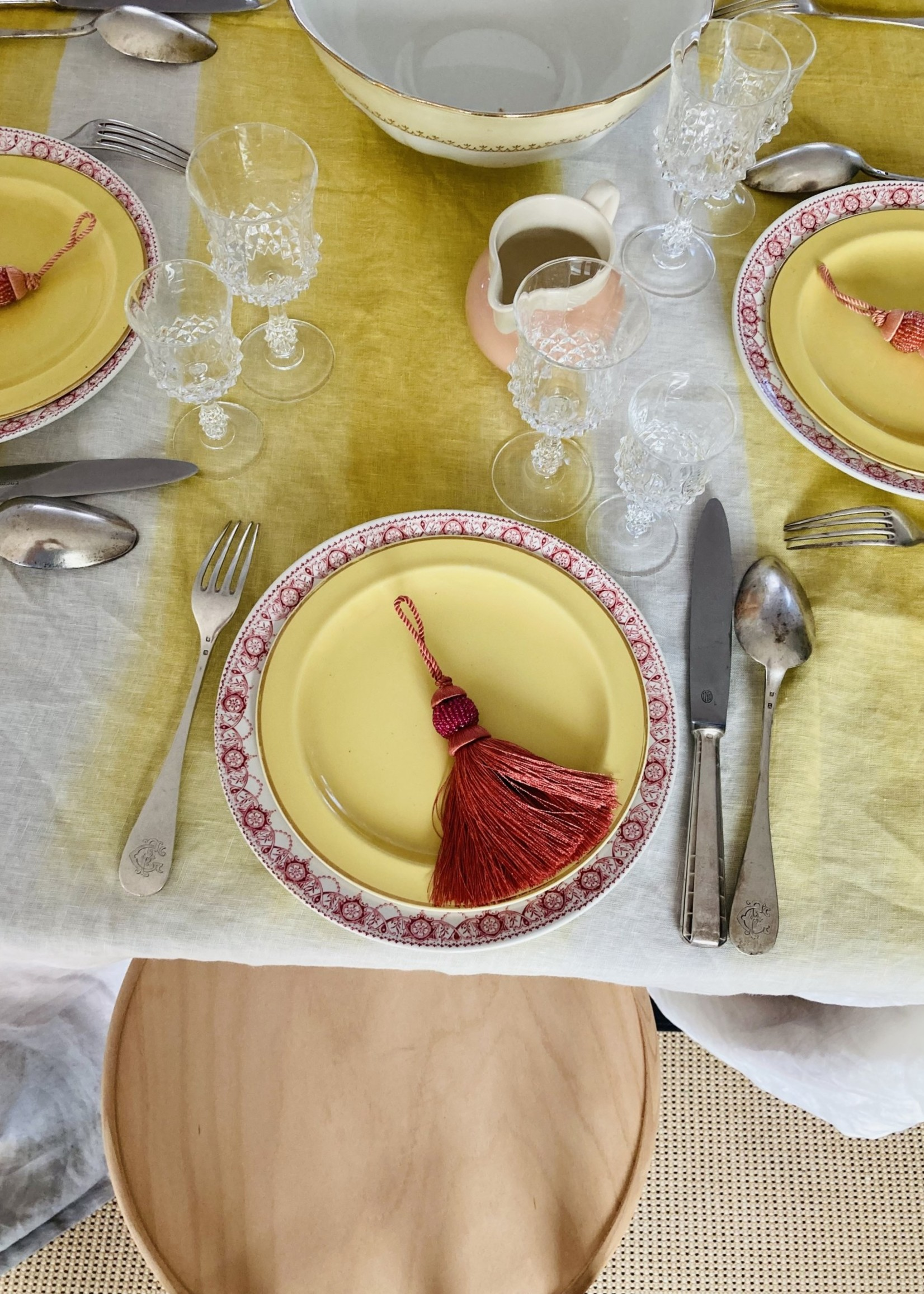 Tablecloth in white yellow and beige linnen (Tyedie) 300 x 155
