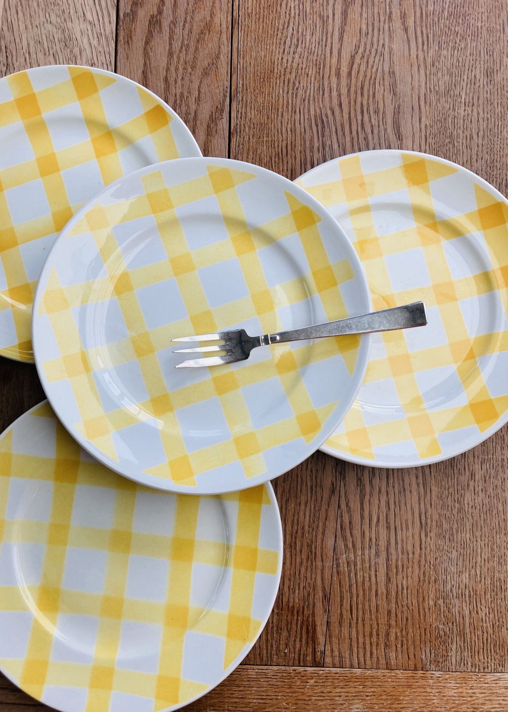 Small  plate model Nappe yellow by Moulin les loups