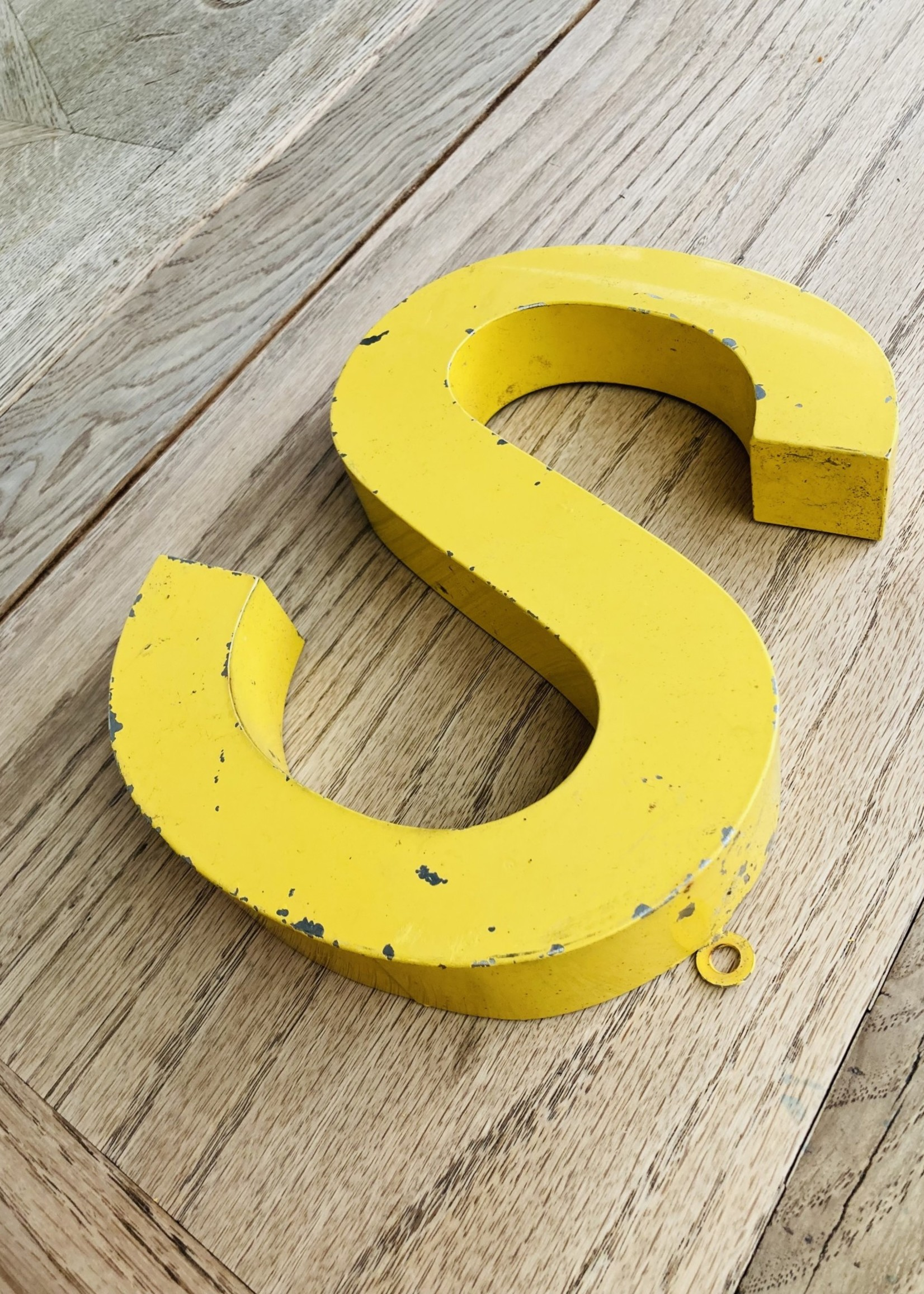 """Metal Letter sign yellow """"s"""""""