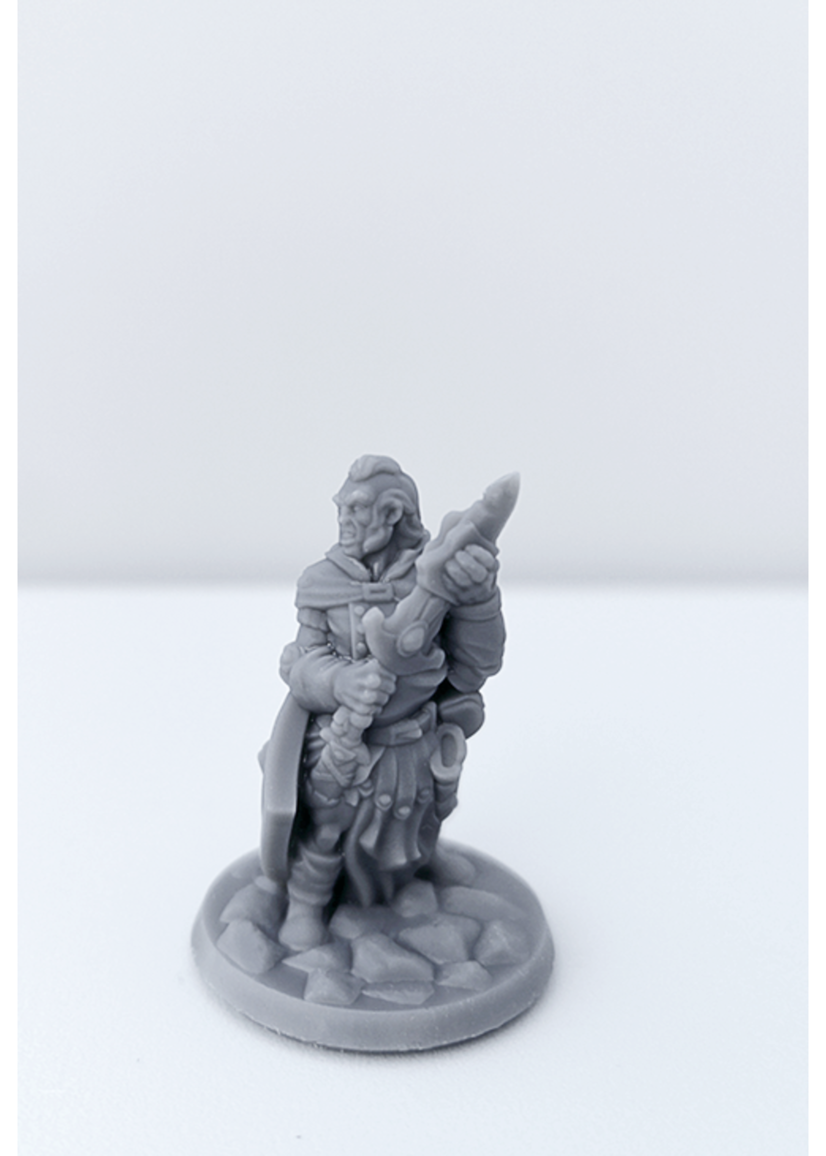 3D Printed Miniature - Fighter Male 02 - Dungeons & Dragons - Hero of the Realm KS