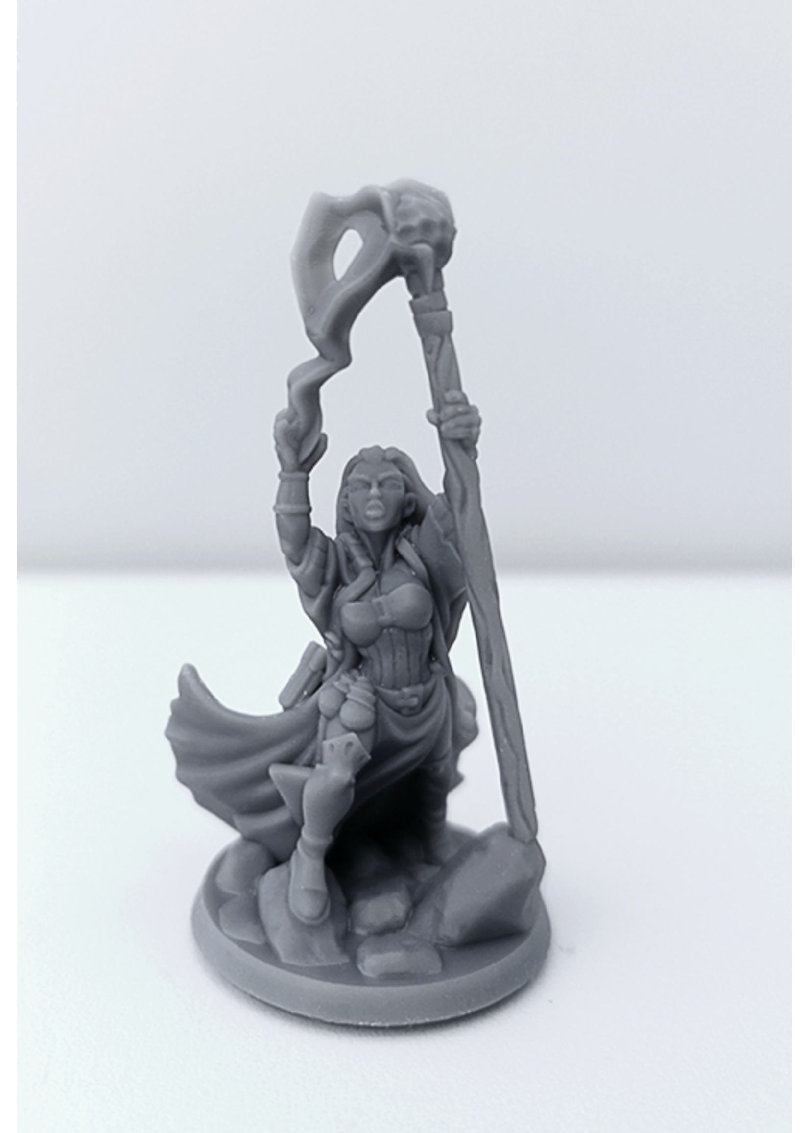3D Printed Miniature - Mage Female 01 - Dungeons & Dragons - Hero of the Realm KS