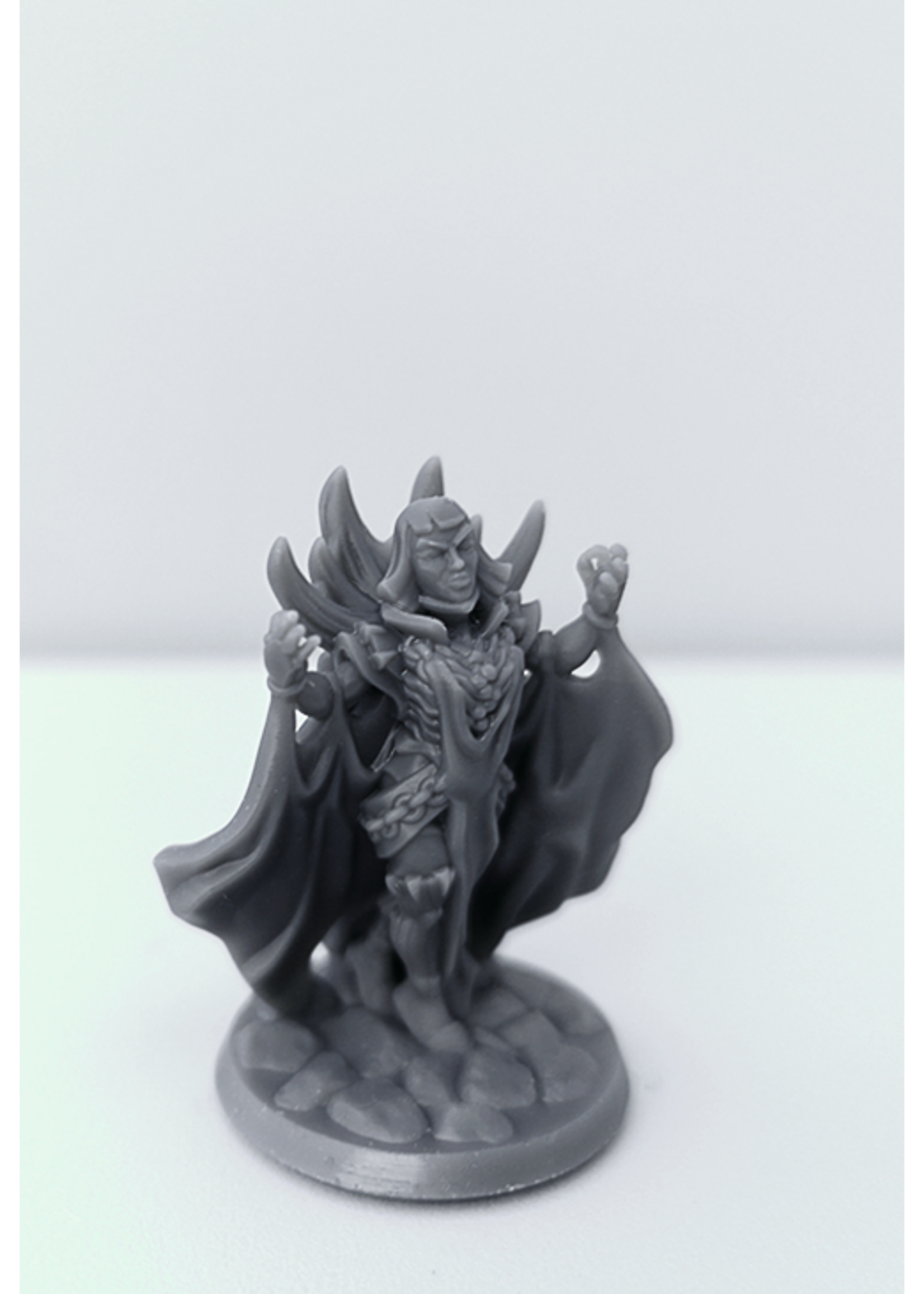 3D Printed Miniature - Necromancer Female 02 - Dungeons & Dragons - Hero of the Realm KS