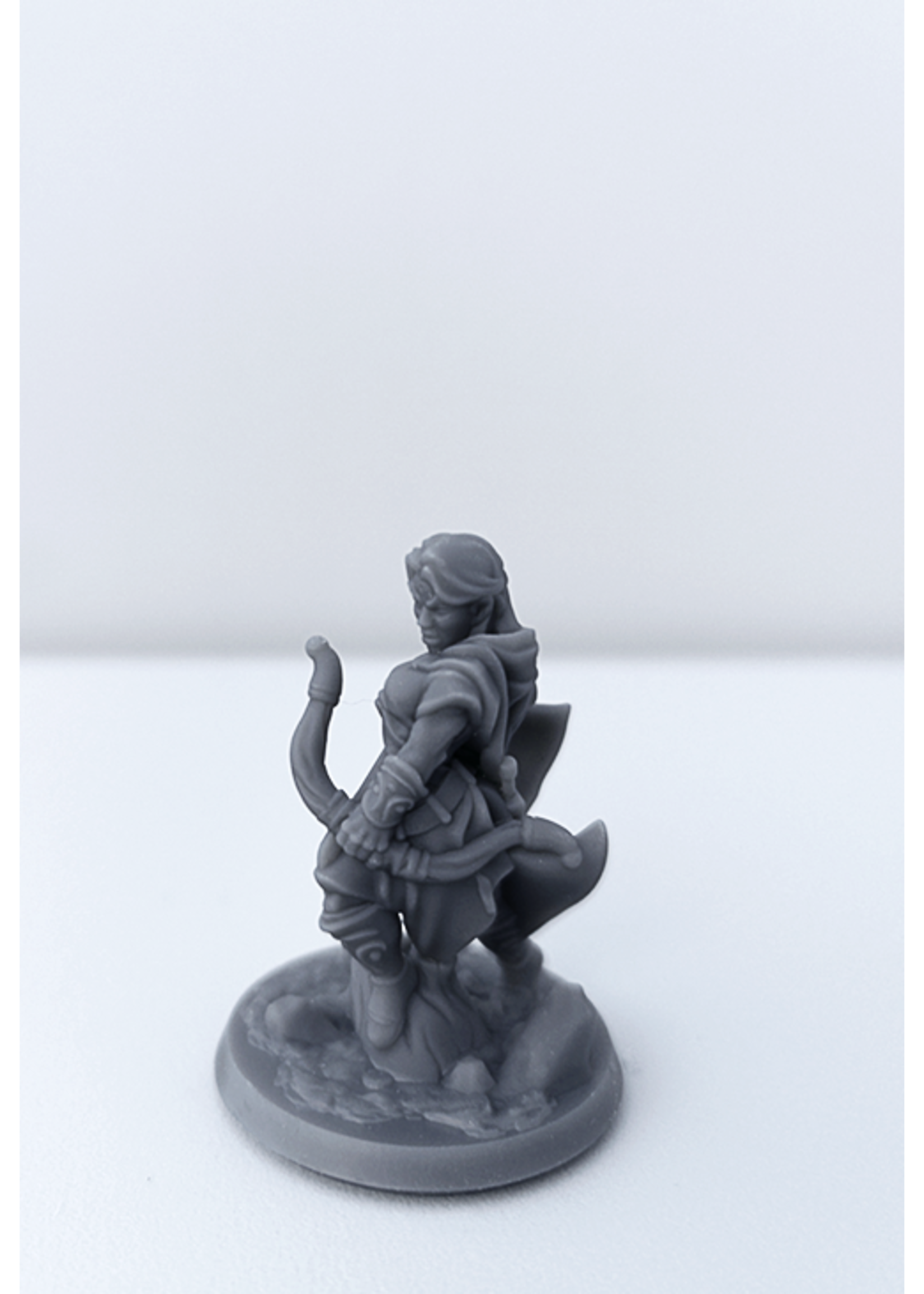 3D Printed Miniature - Ranger Female 01 - Dungeons & Dragons - Hero of the Realm KS