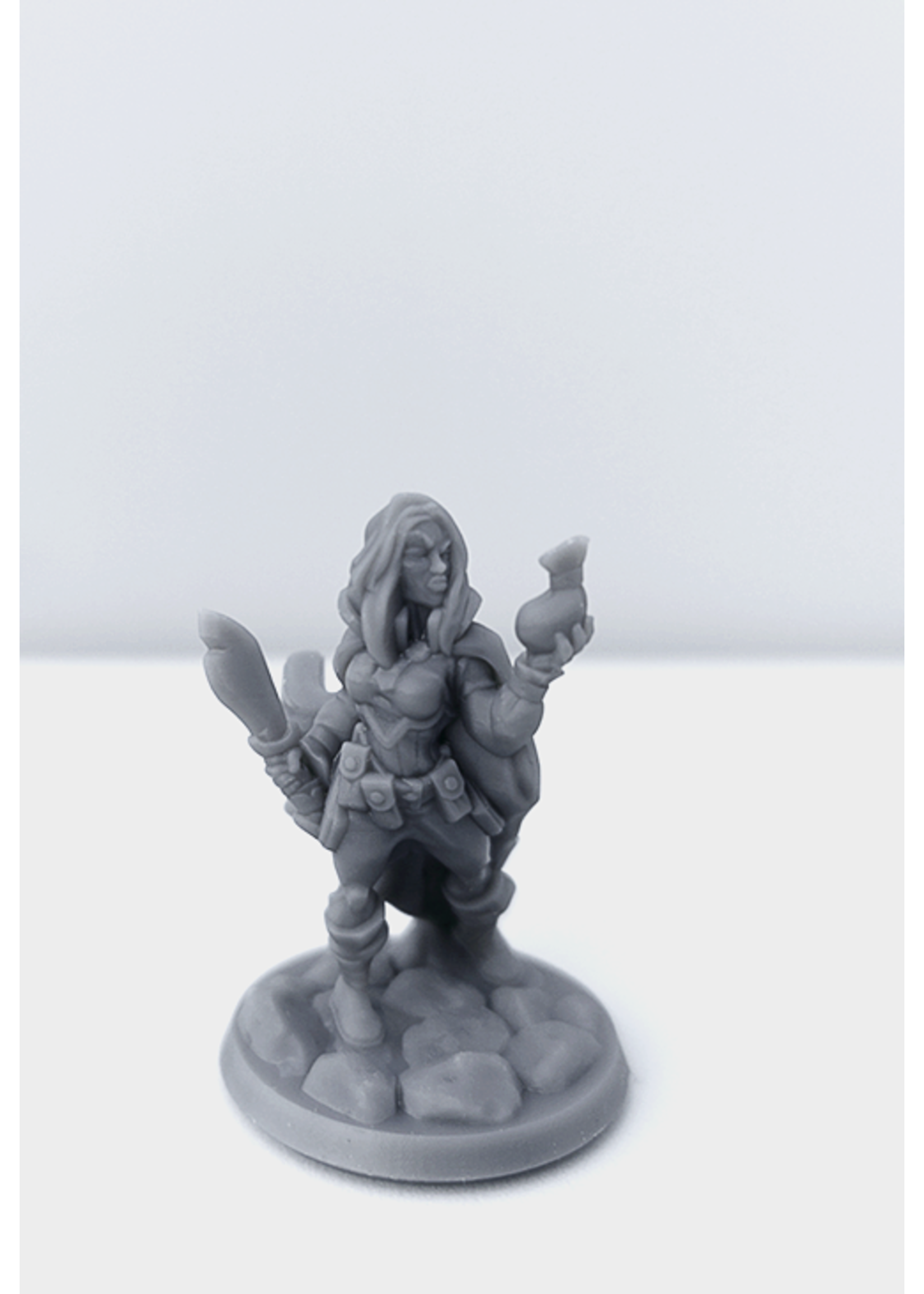 3D Printed Miniature - Thief Female 01 - Dungeons & Dragons - Hero of the Realm KS