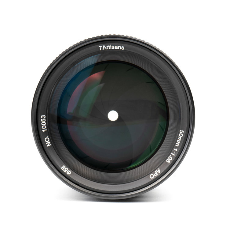 7Artisans 50mm f/1.05 (Canon R Mount)