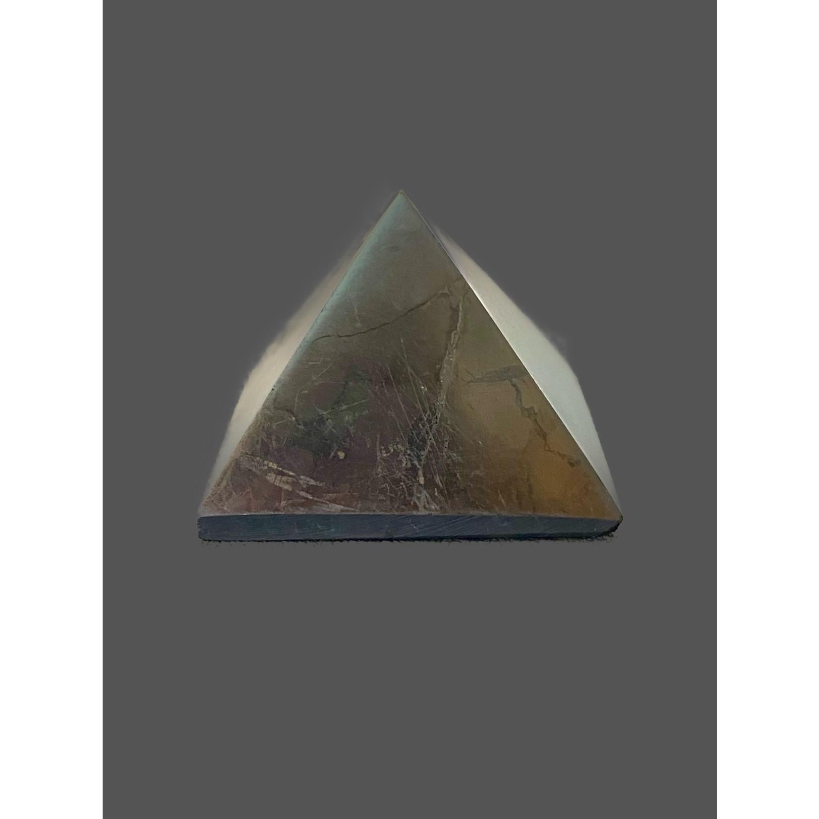 Pirámide de Shungit Pulida Brillante 3x3cm