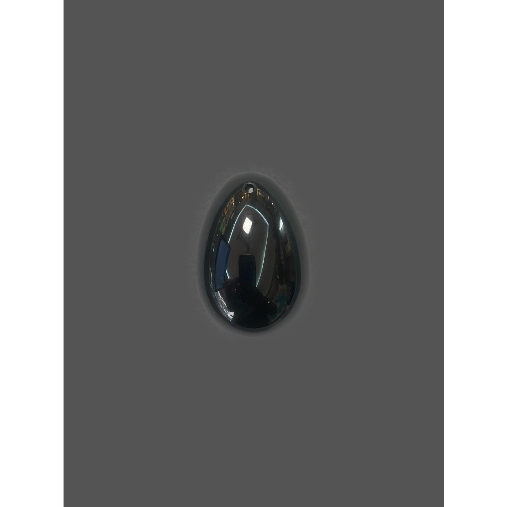 Huevo con agujero de obsidiana