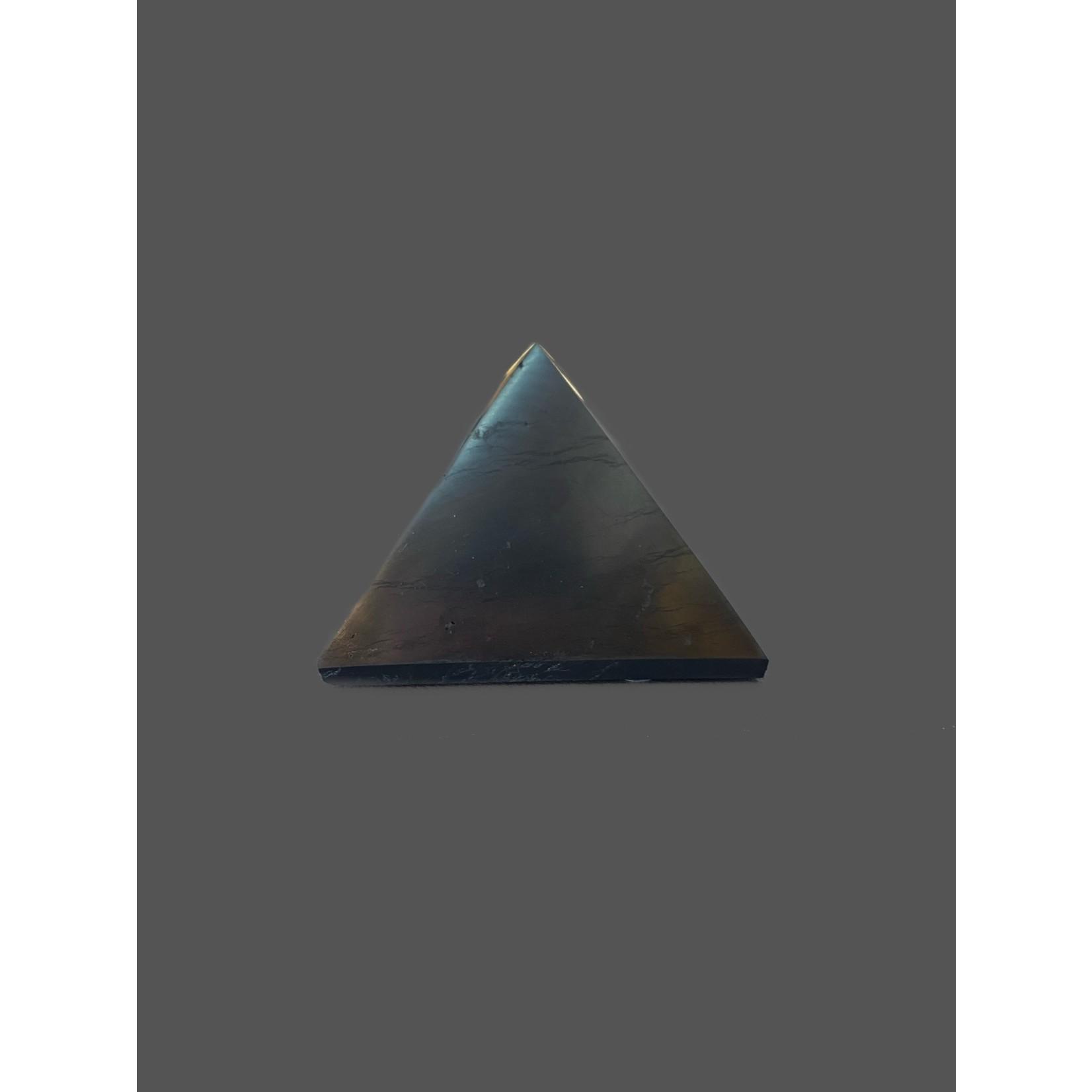 Pirámide de Shungit pulida 5x5cm