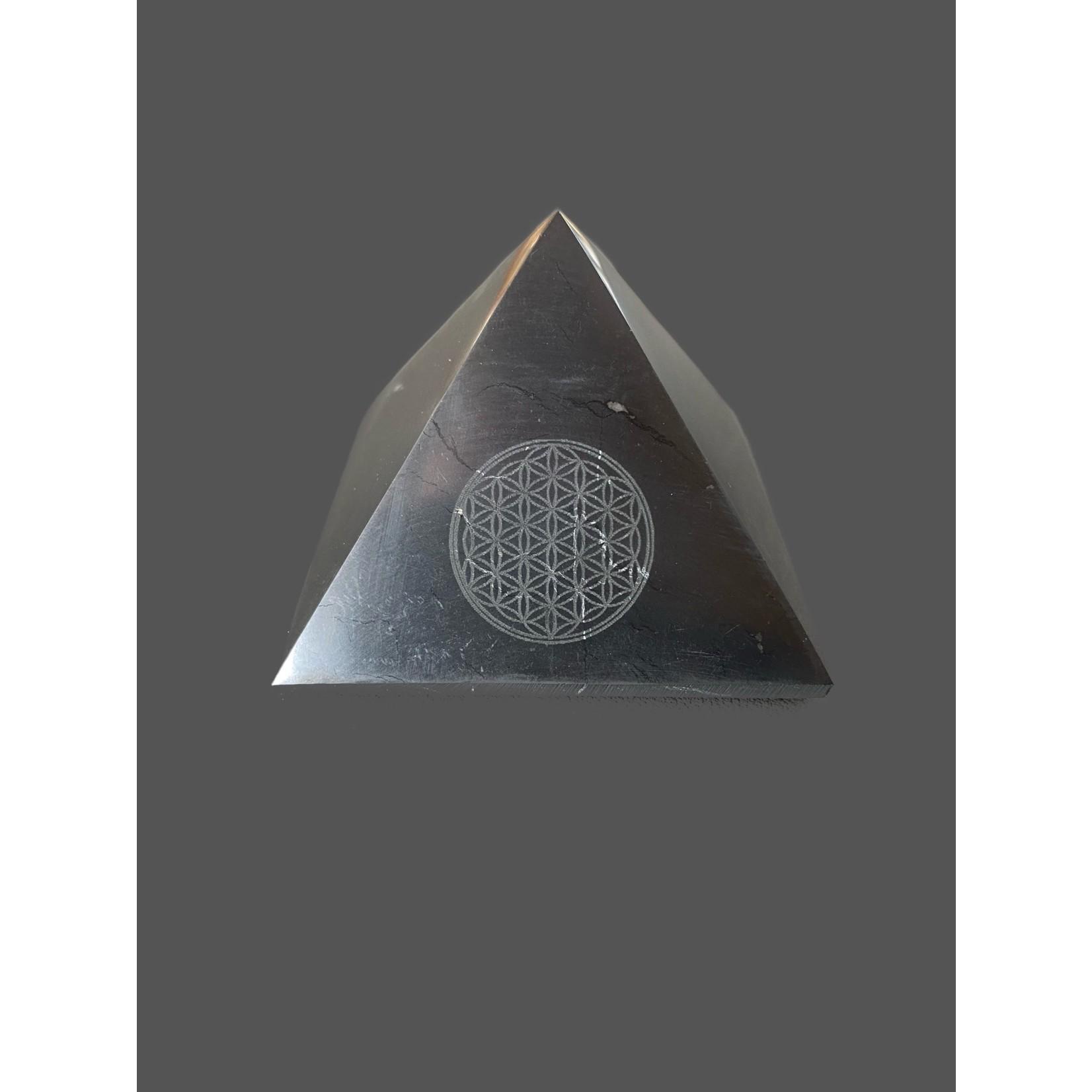 Pirámide Shungit Flor Vida 7cm