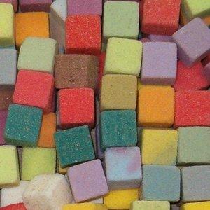 OASIS® RAINBOW® OASIS® RAINBOW® Foam Mini Cubes – Harlekin (Farbenmix)  2 x 2 x 2 cm 300 Stuks