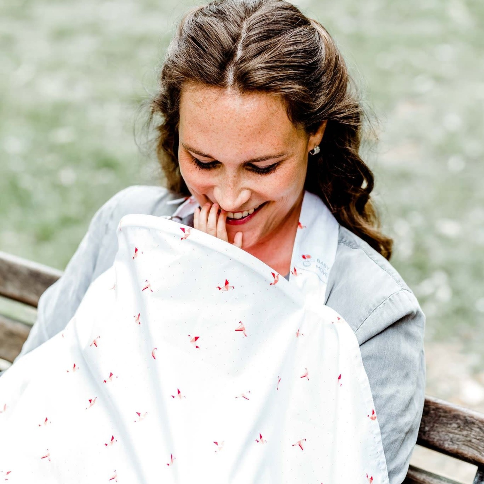 Baby on the Move Nursing Cover (Origami birds - Coral)