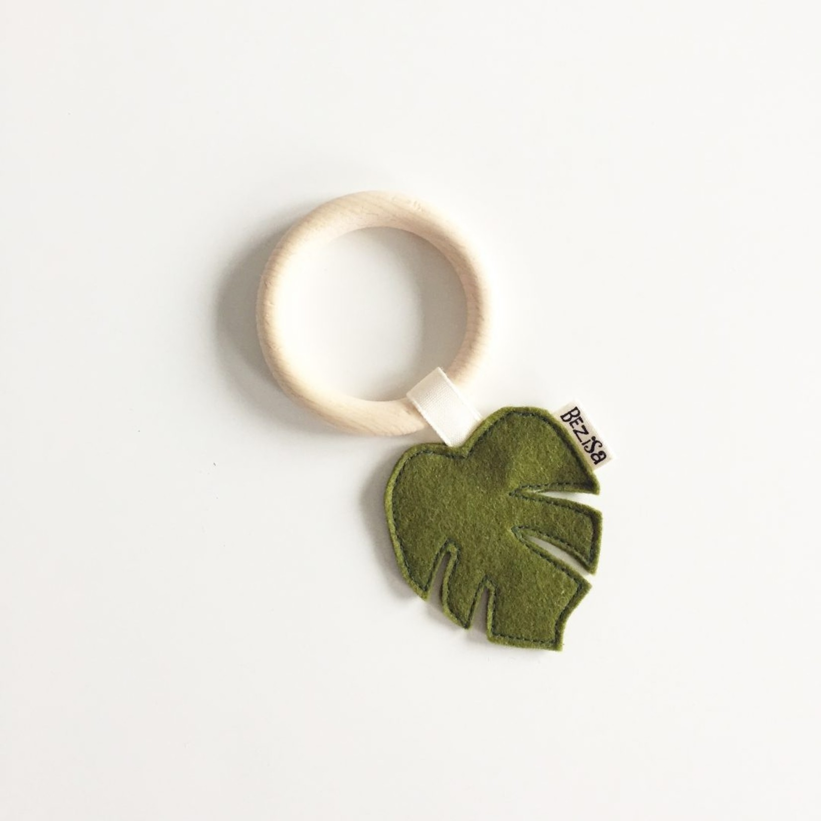 BEZISA Teether Leaves (Moss Green)