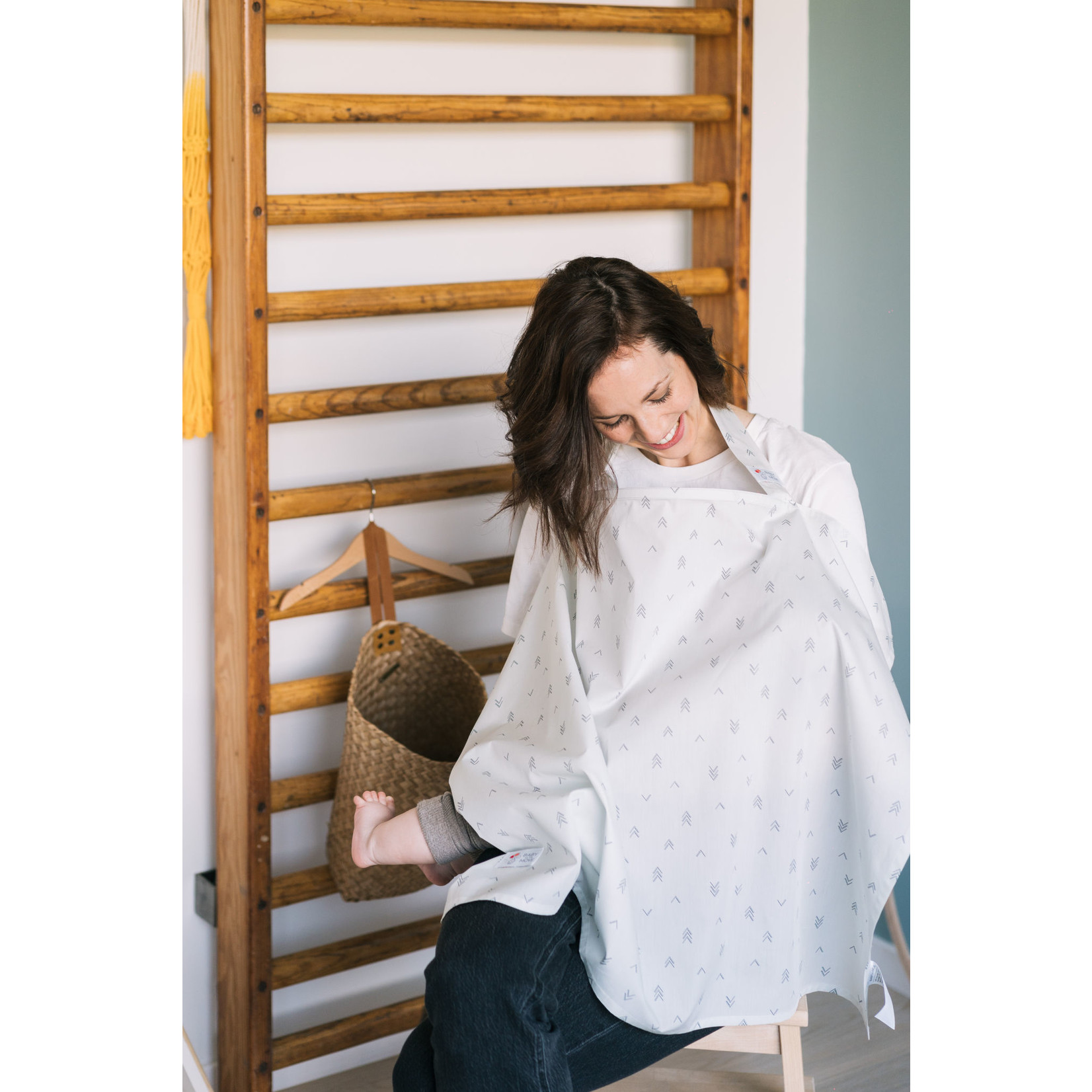 Baby on the Move Nursing Cover (Mountain Views)