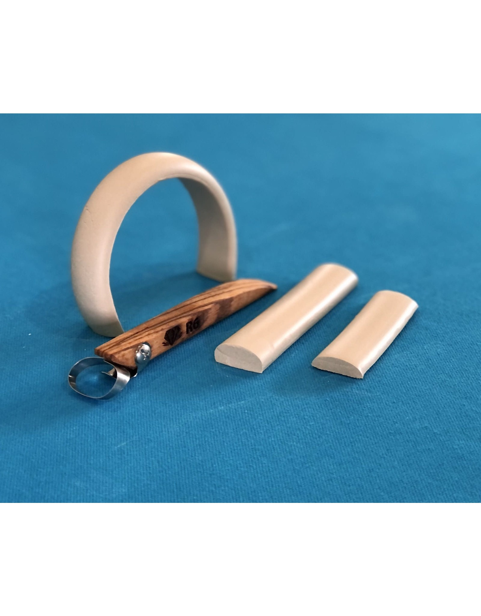 Diamond Core Tools (R6) Basic Oval Handheld Clay Extruder