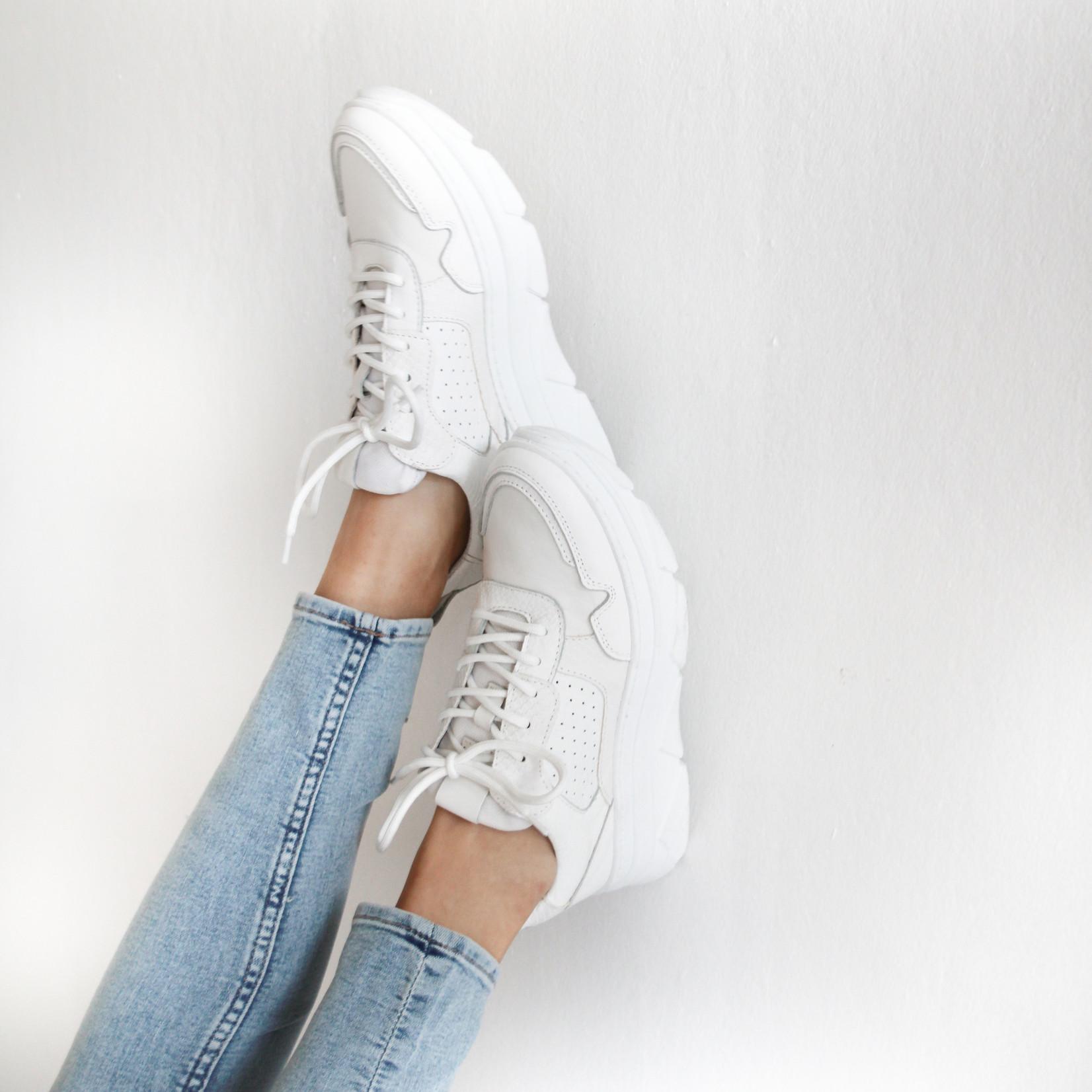Juul & Belle Sneaker White New