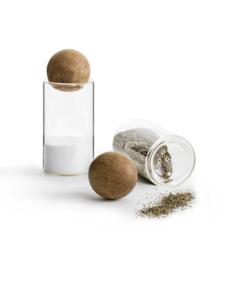 Sagaform Sagaform - Nature - Peper- en Zoutstelletje, glas, met massief eiken stopper