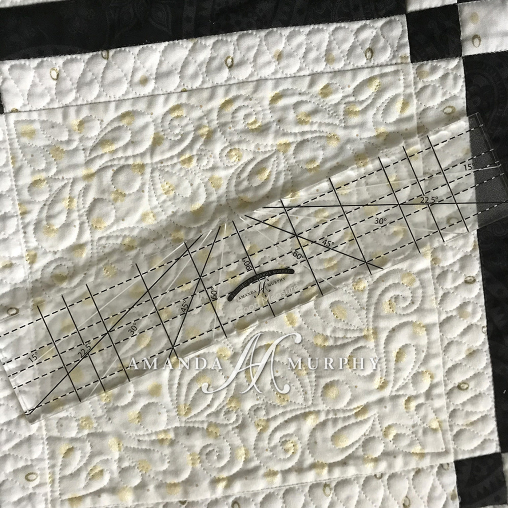 Good Measure QuiltLiniaal - Every Angle - Low Shank