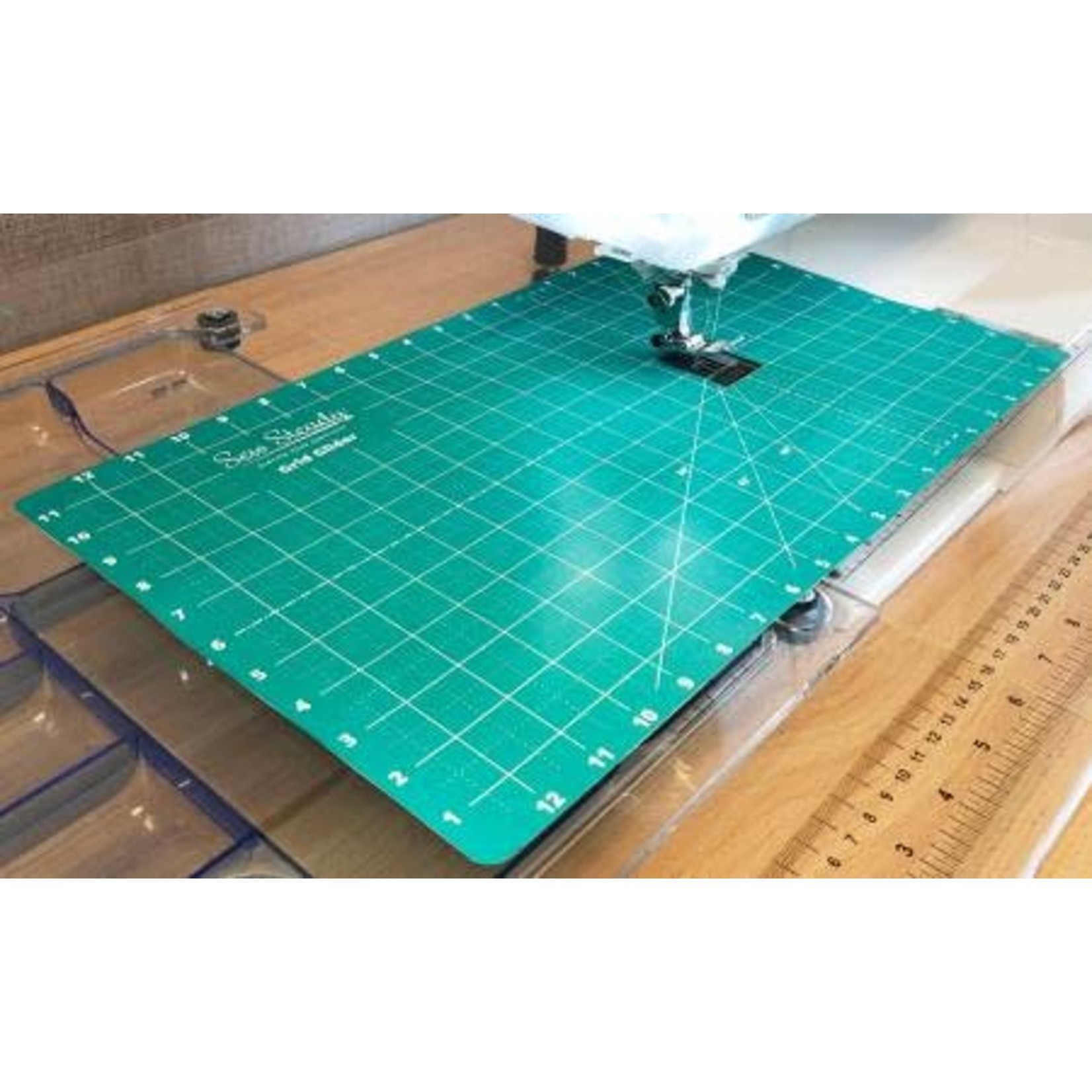 Sew Steady Glijmat - Grid Glider - 12 x 20 inch - Groen